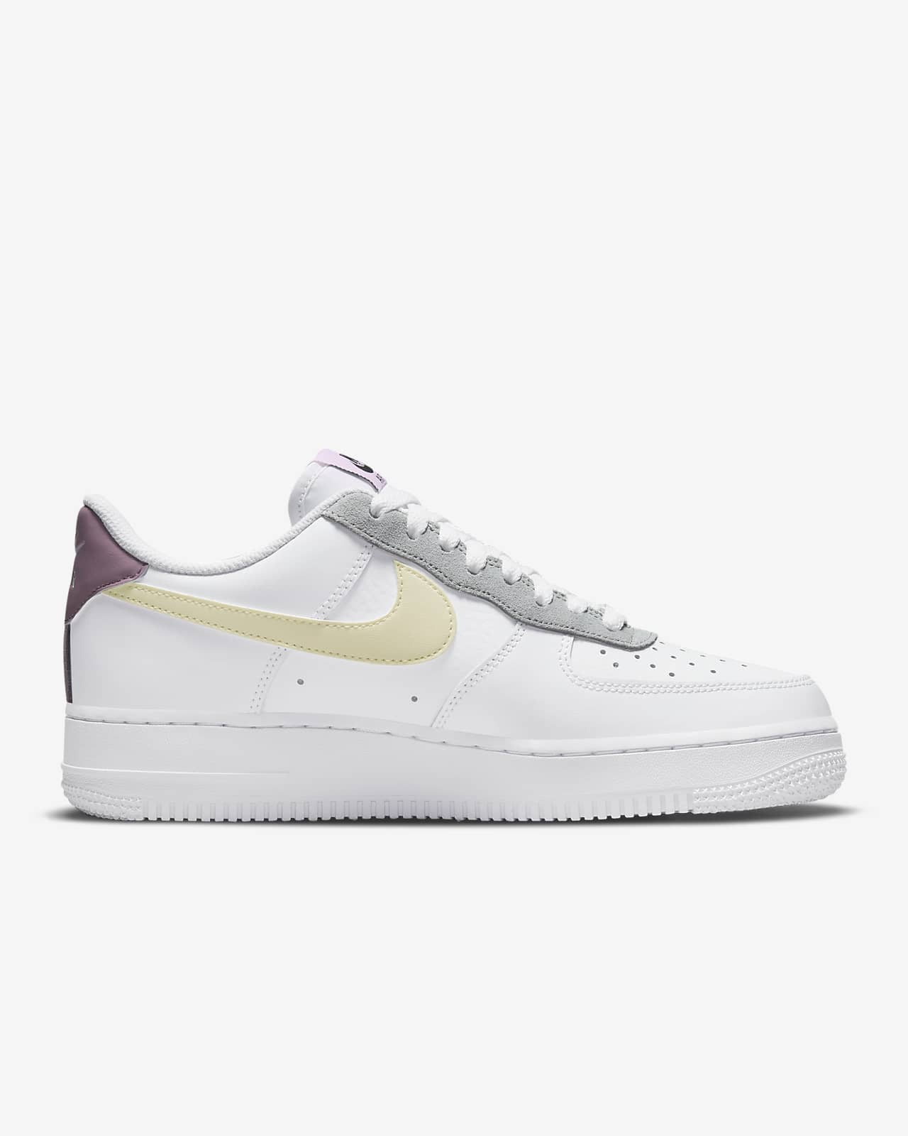 Nike Air Force 1 '07 Essential Women's Shoes. Nike SE