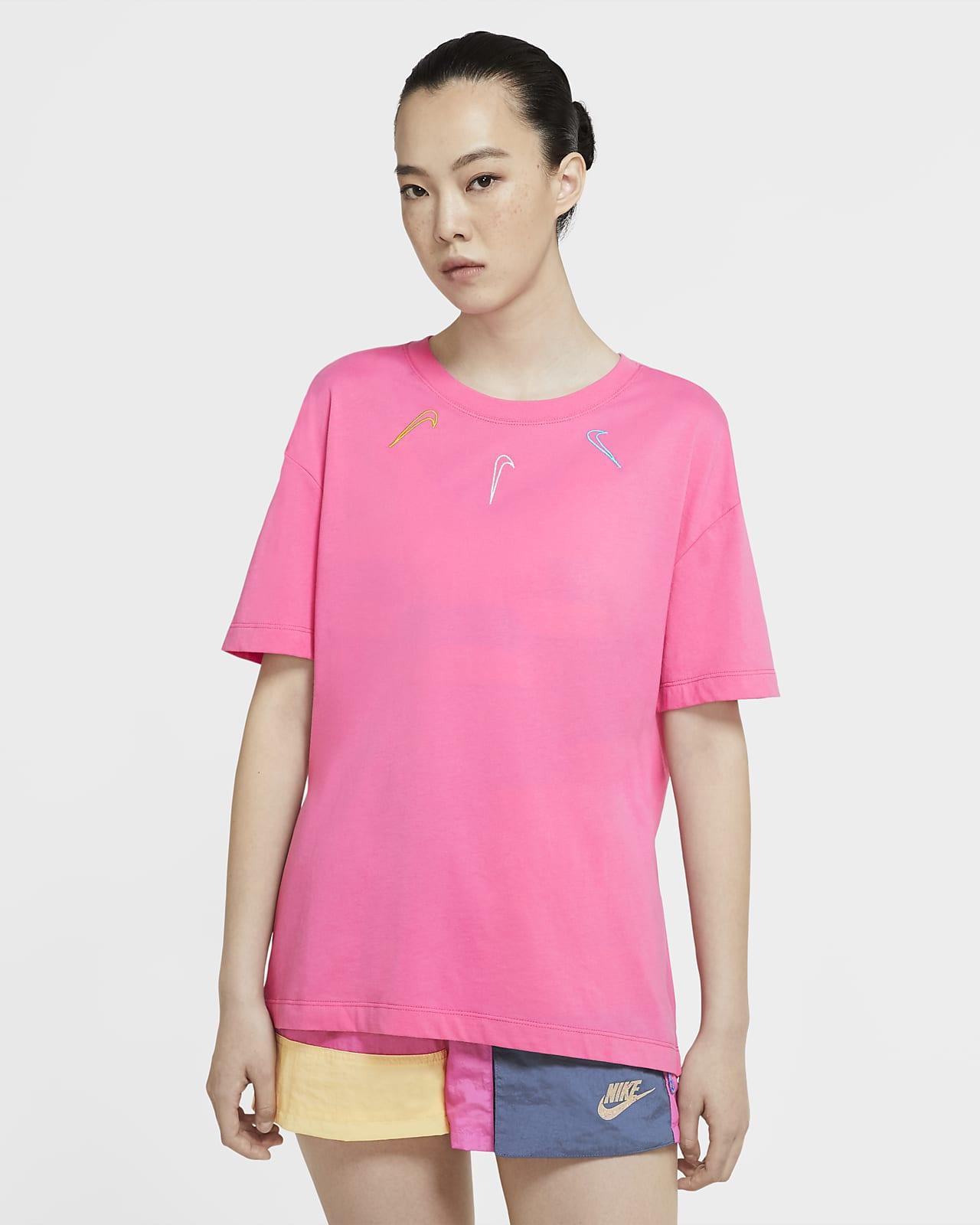 Nike Sportswear Swoosh 女款 T 恤