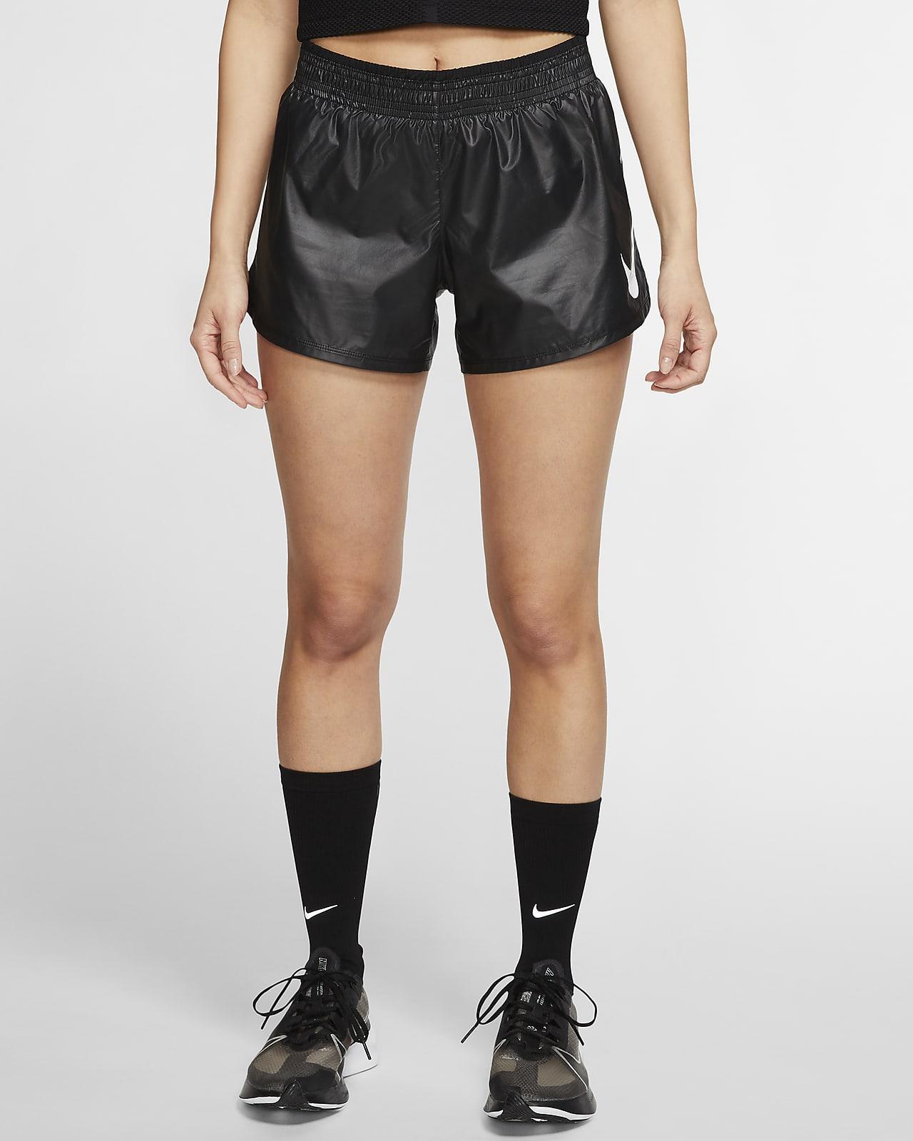กางเกงวิ่งขาสั้นผู้หญิง Nike