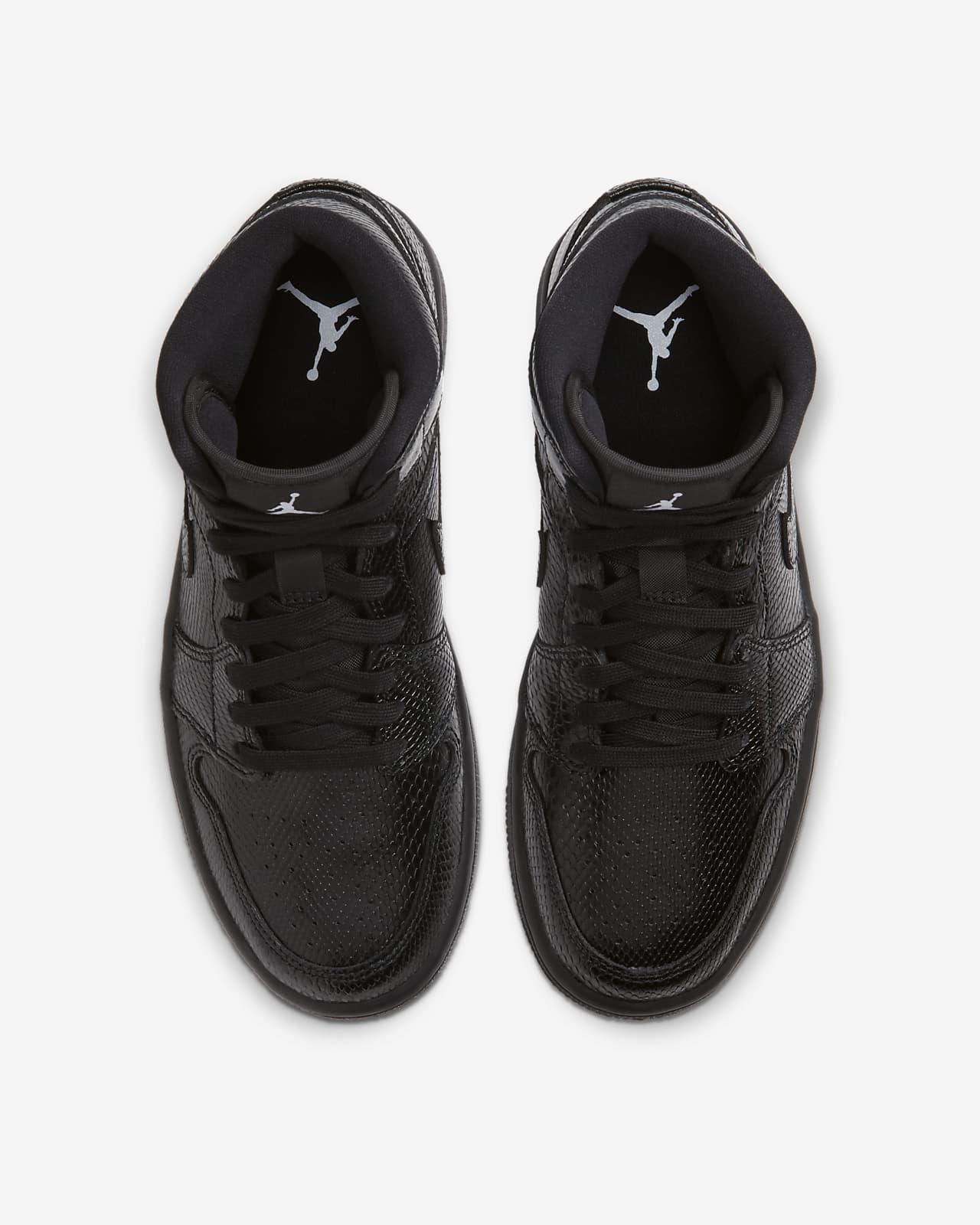 all black jordan 1 mid