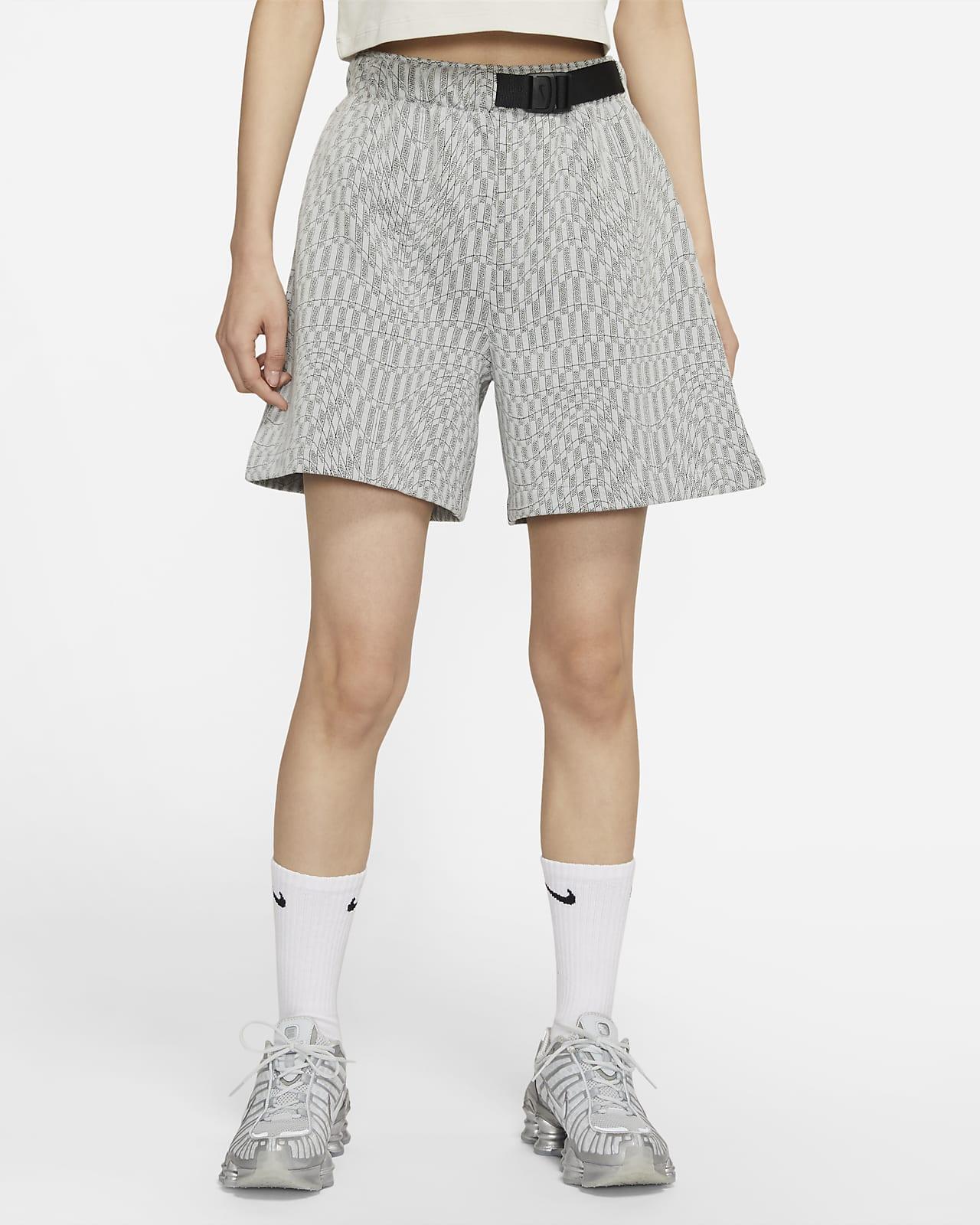 Nike Sportswear Tech Pack 女子短裤
