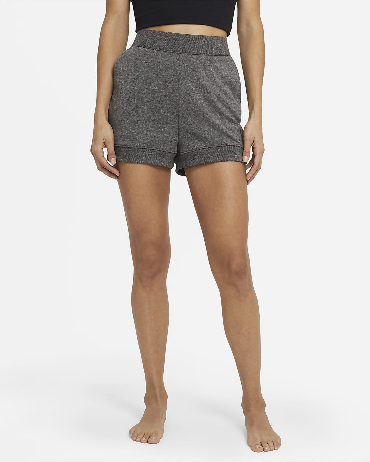 Nike Yoga Pantalons curts de teixit French Terry - Dona