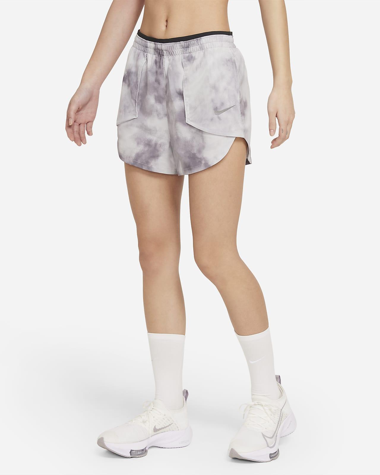 กางเกงวิ่งขาสั้นผู้หญิง Nike Tempo Luxe Icon Clash