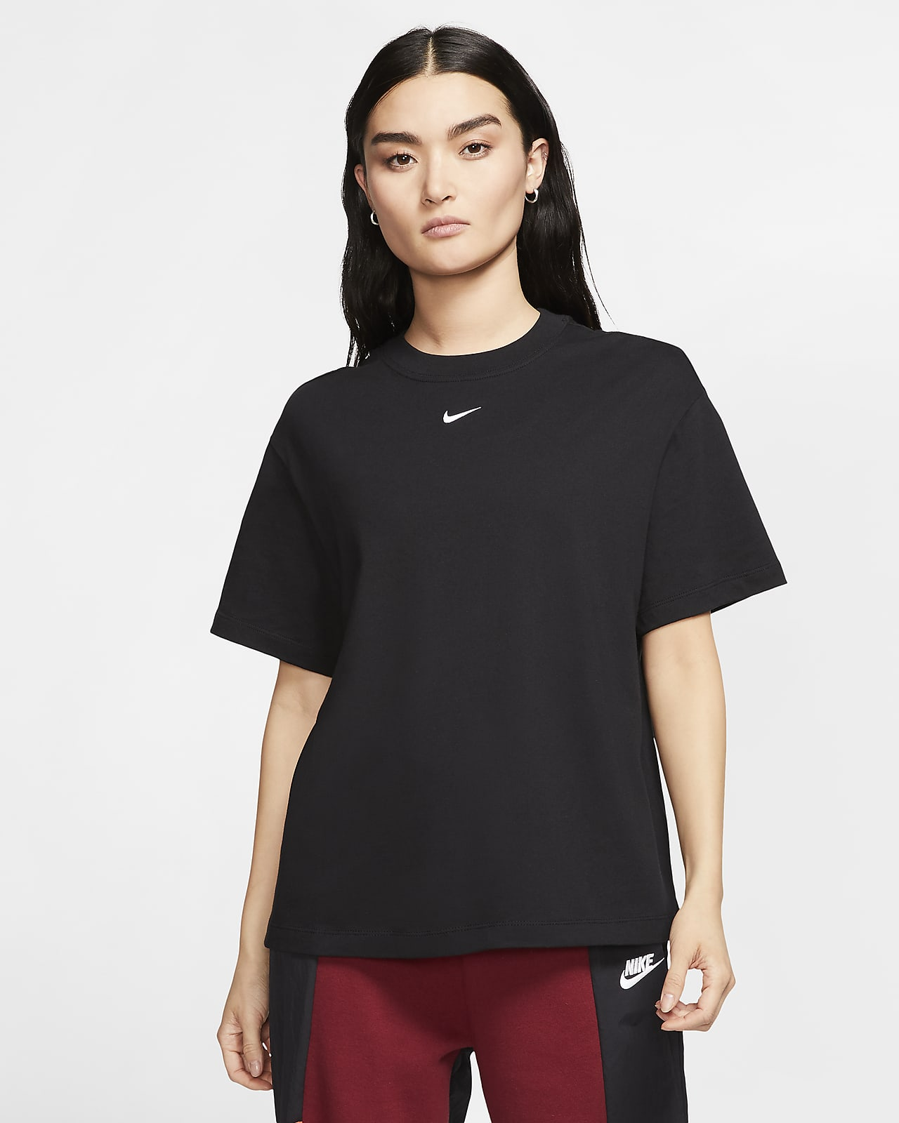 Nike Sportswear Essential 女子短袖T恤