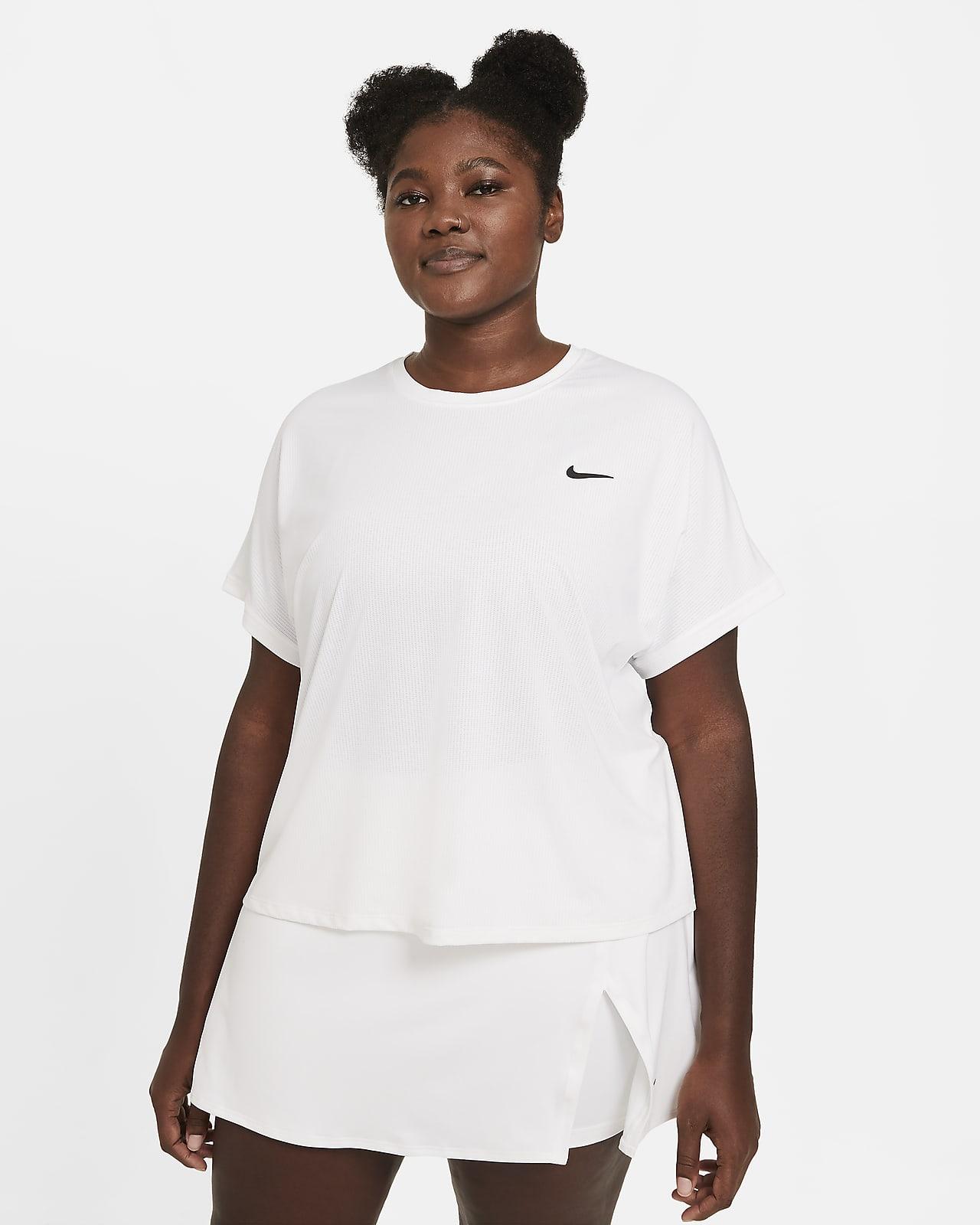 Top da tennis a manica corta NikeCourt Dri-FIT Victory (Plus size) - Donna