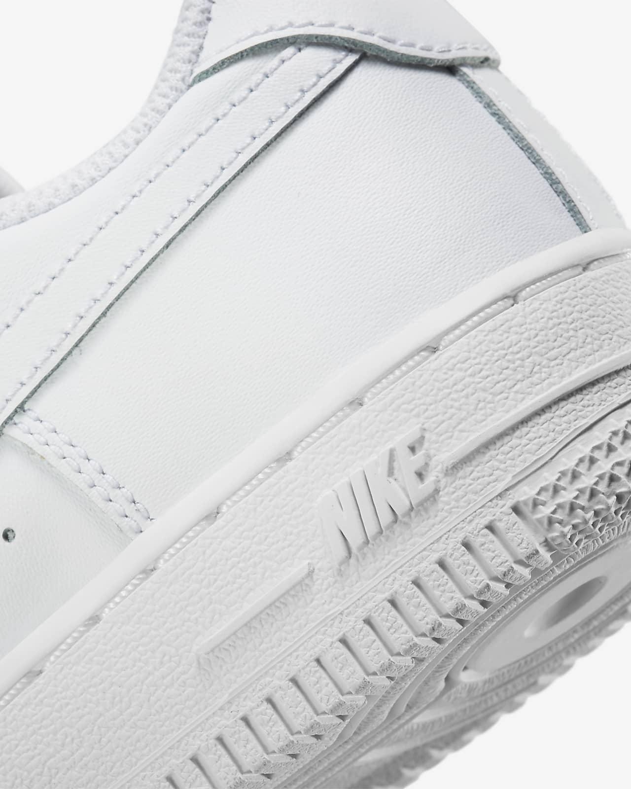 Nike Force 1 Younger Kids' Shoe. Nike LU
