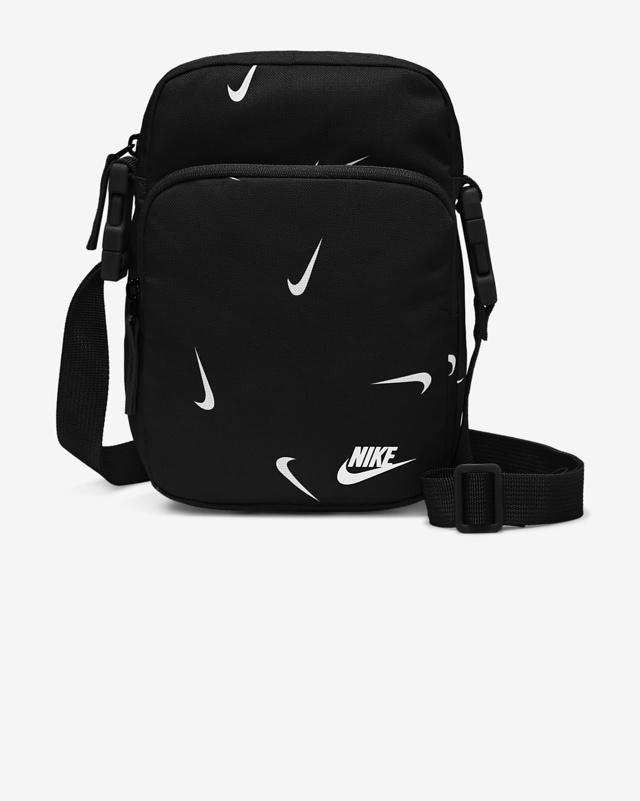 กระเป๋าใส่สิ่งของชิ้นเล็ก Nike Heritage