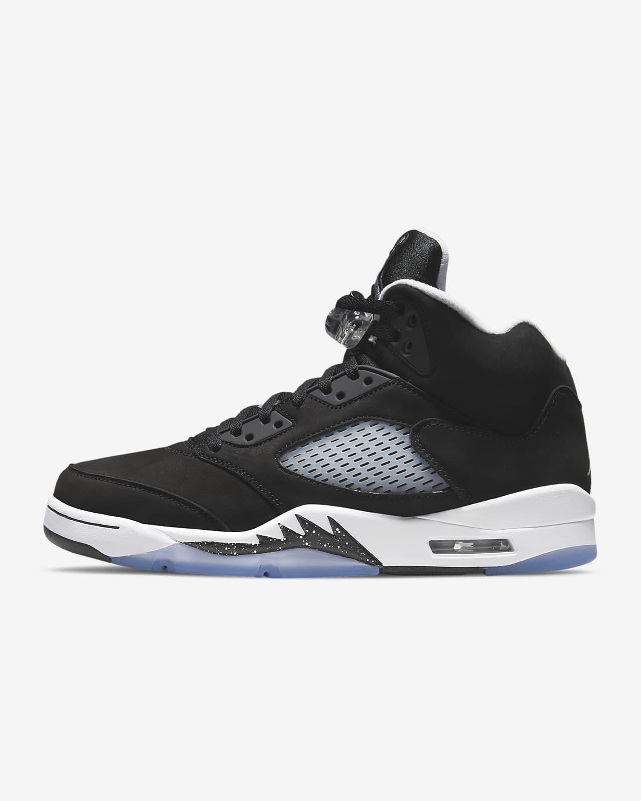 Air Jordan 5 Retro Men's Shoe. Nike IN