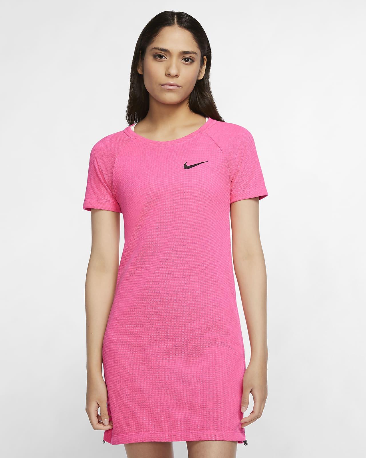 เดรสผู้หญิง Nike Sportswear Swoosh