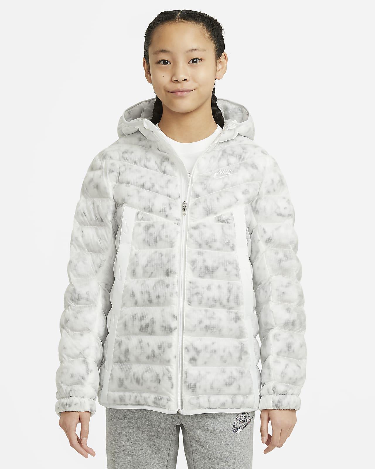 Vattenavvisande jacka Nike Sportswear med syntetfoder och marmortryck för äldre barn