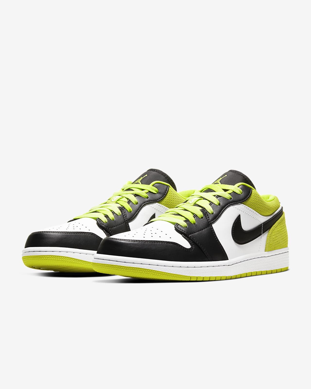 Air Jordan 1 Low SE Shoe. Nike SG