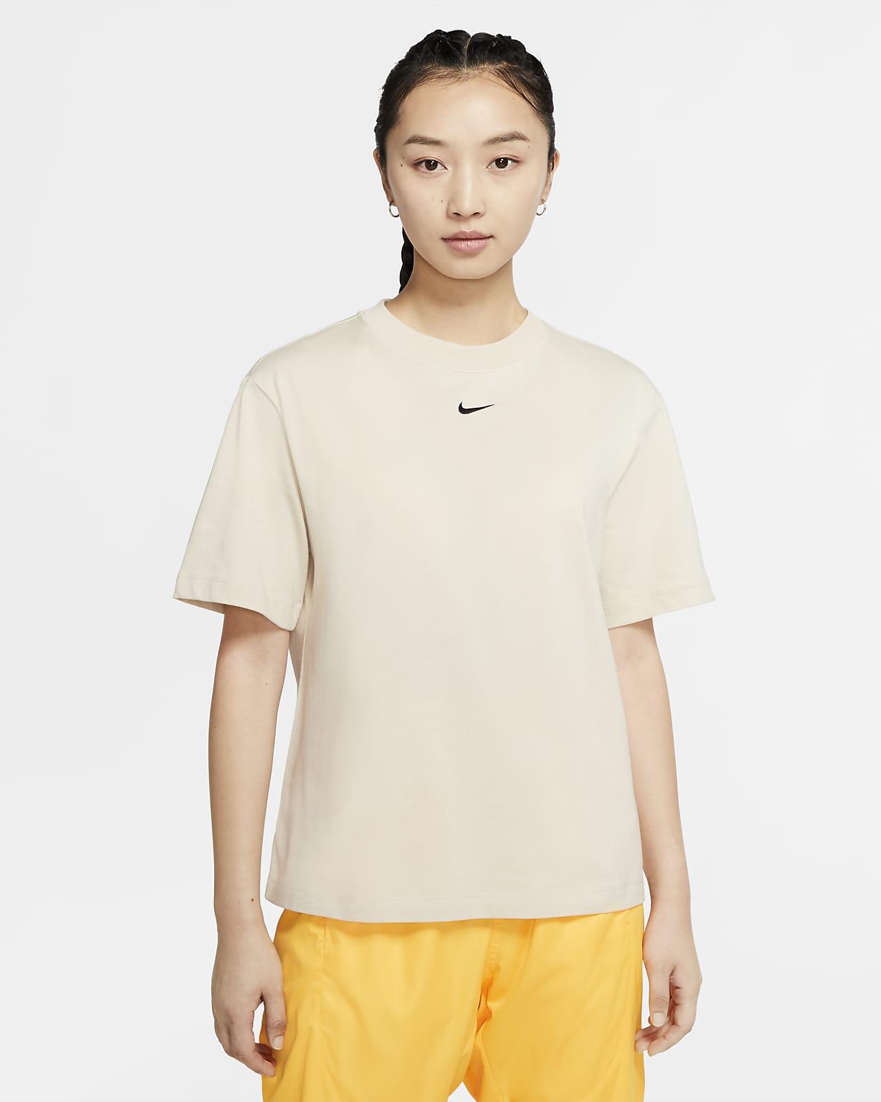 Nike Sportswear Essential-kortærmet top til kvinder