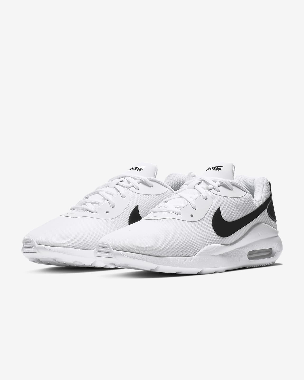 Nike Air Max Oketo Men's Shoe. Nike CZ