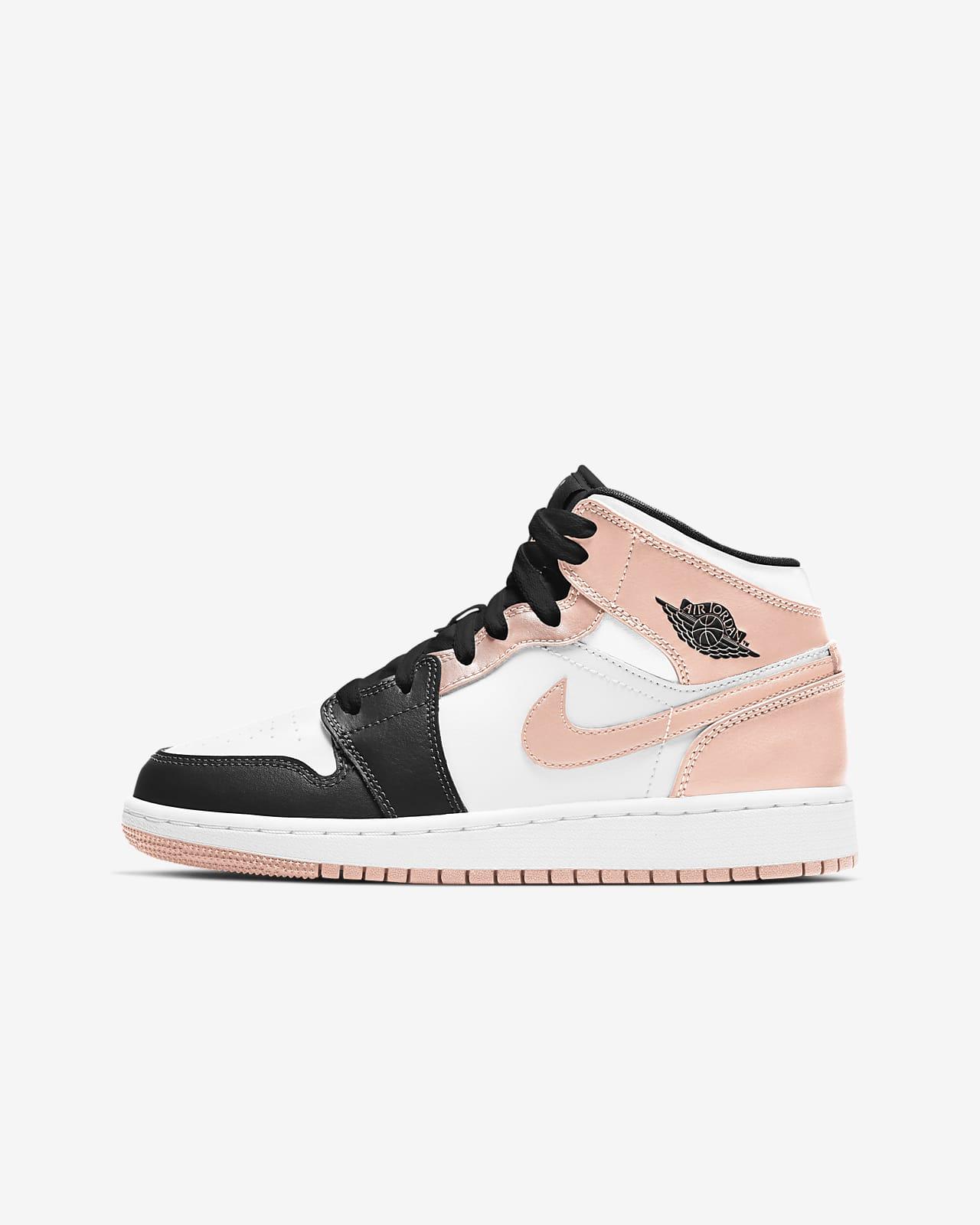 Air Jordan 1 Mid Older Kids' Shoes. Nike BE