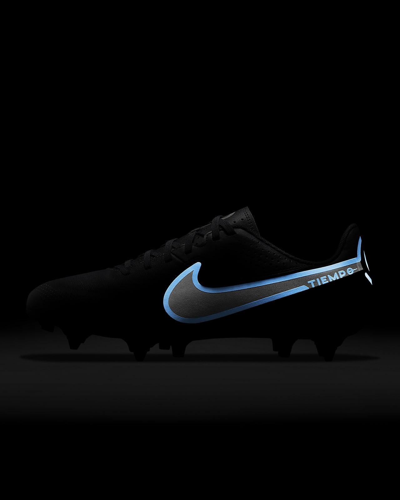 Chaussure de football à crampons pour terrain gras Nike Tiempo ...