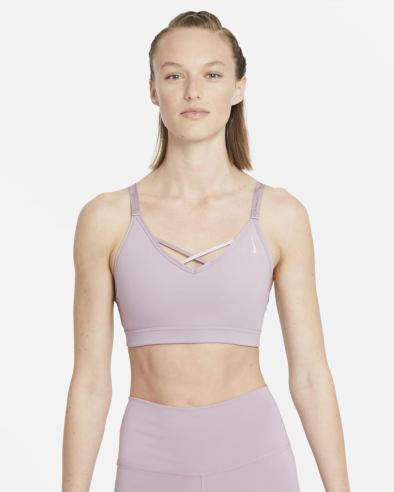 Bra deportivo con tirantes y almohadillas de sujeción ligera para mujer Nike Yoga Dri-FIT