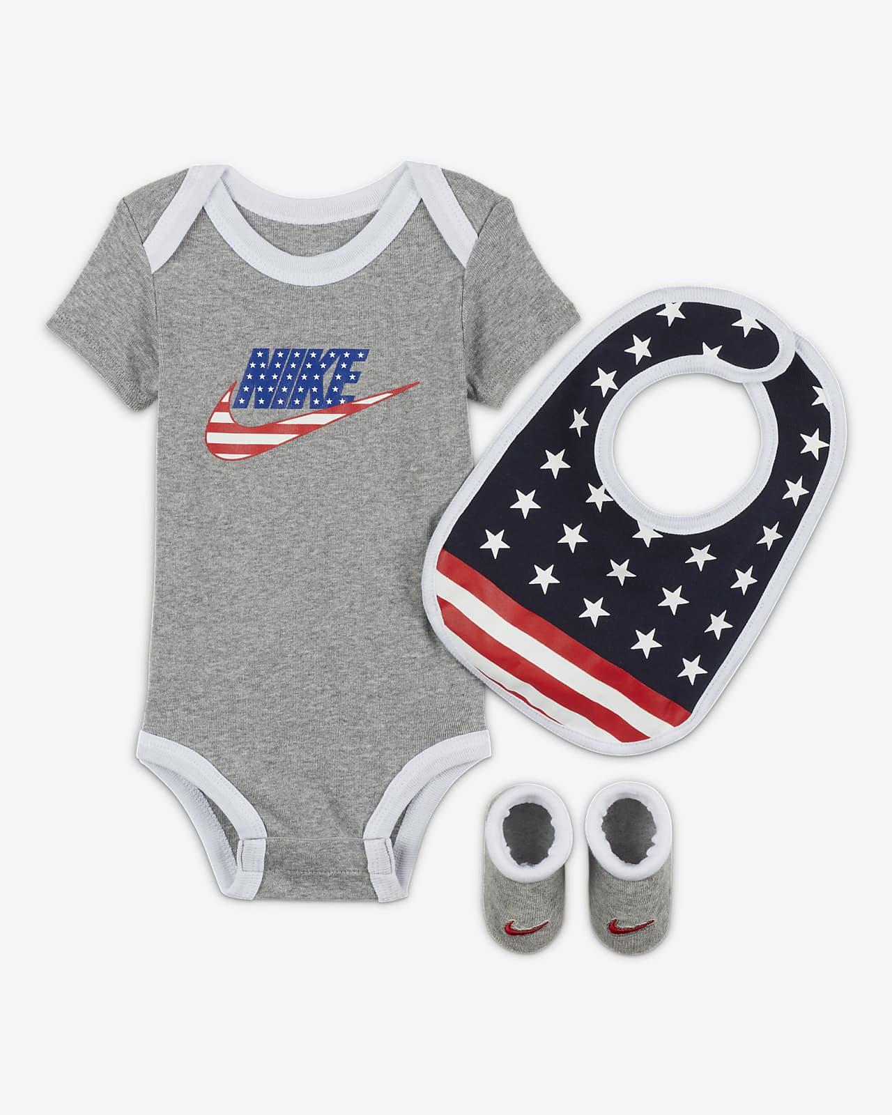Conjunto de body, gorro y calzado para bebés Nike (6-12M)