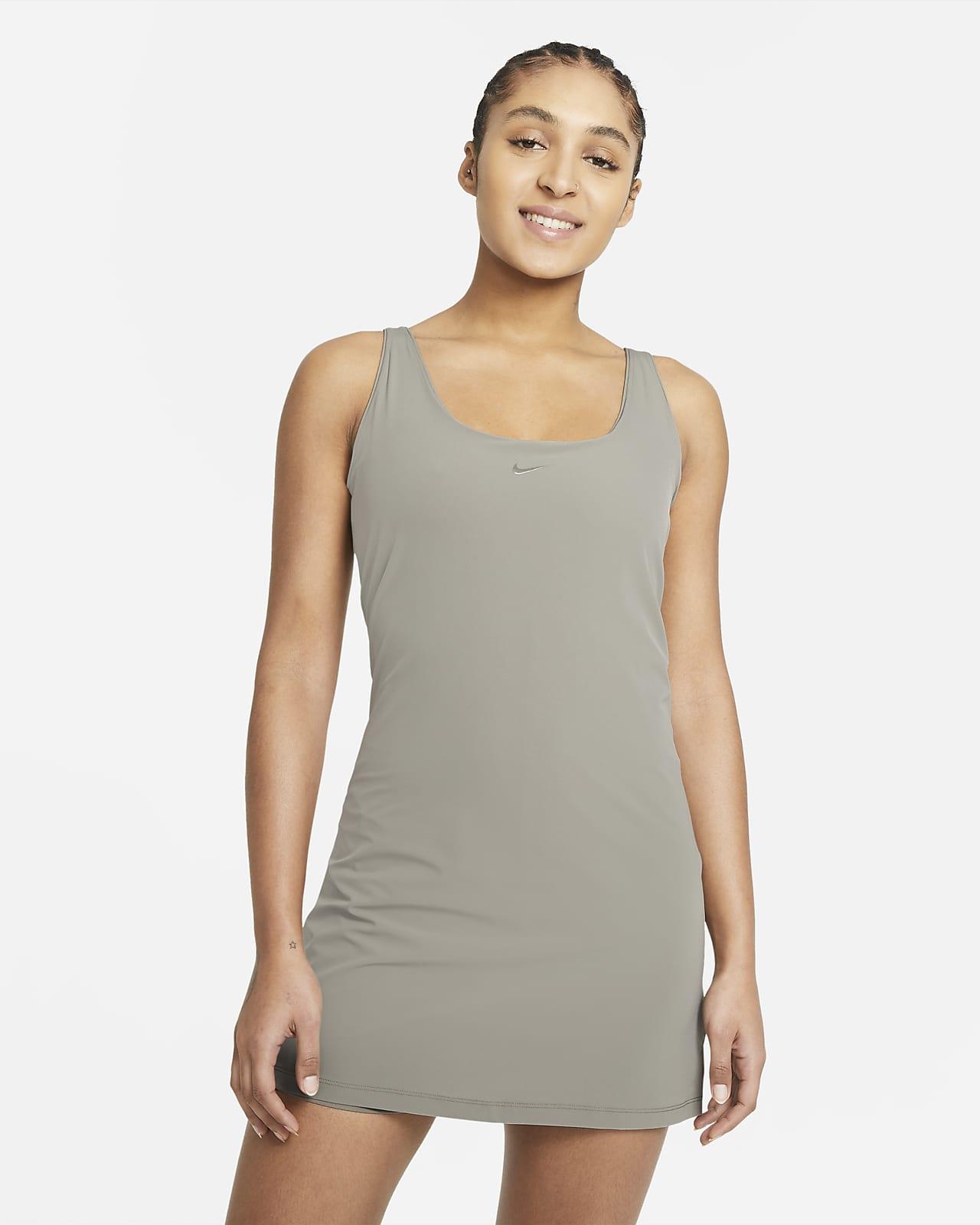Vestido de entrenamiento para mujer Nike Bliss Luxe
