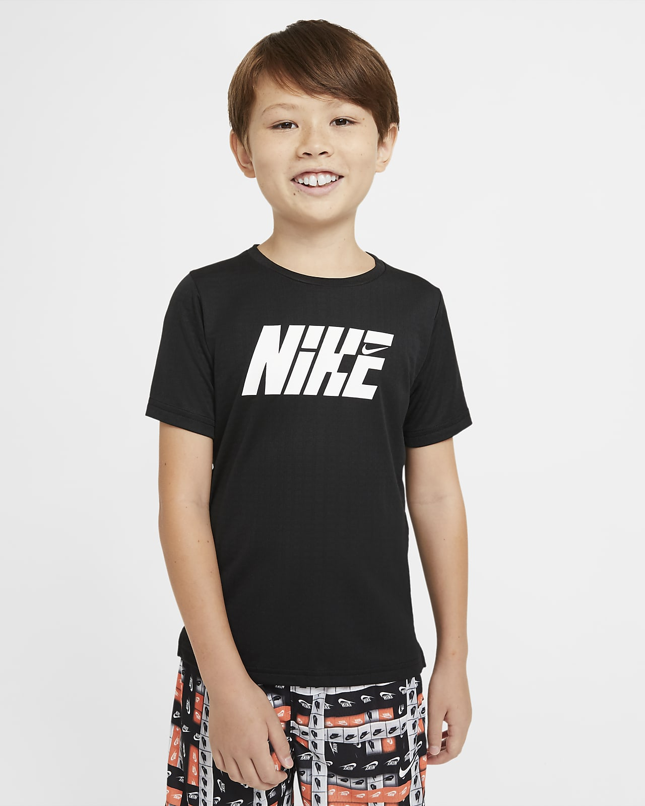 Nike Graphic Older Kids' (Boys') Short-Sleeve Training Top