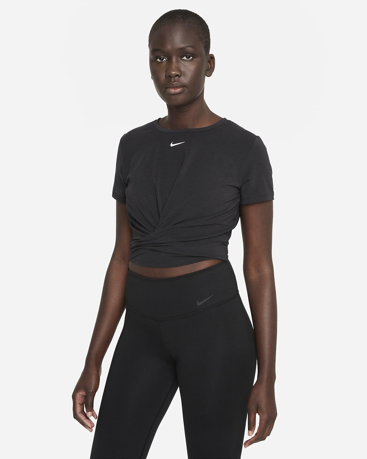 Nike Dri-FIT One Luxe vridd, kortermet overdel med standard passform til dame