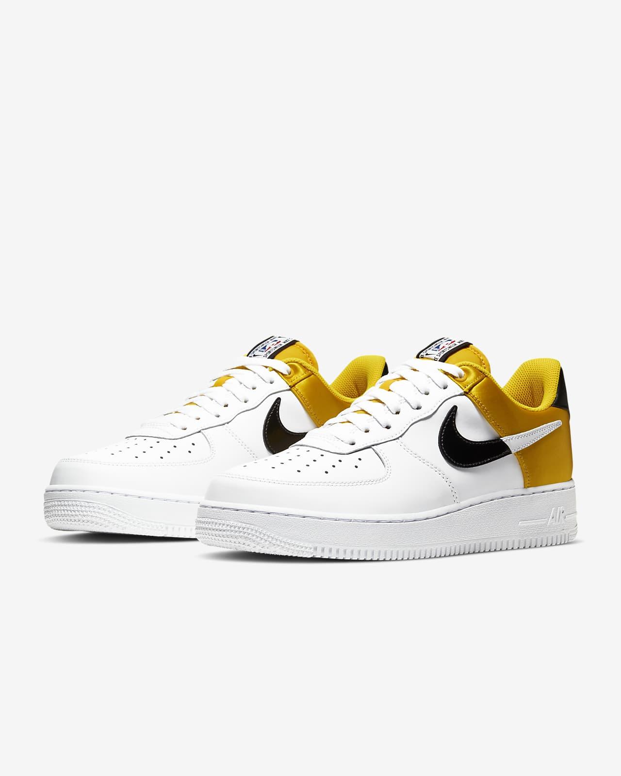 Scarpa Nike Air Force 1 NBA Low. Nike CH