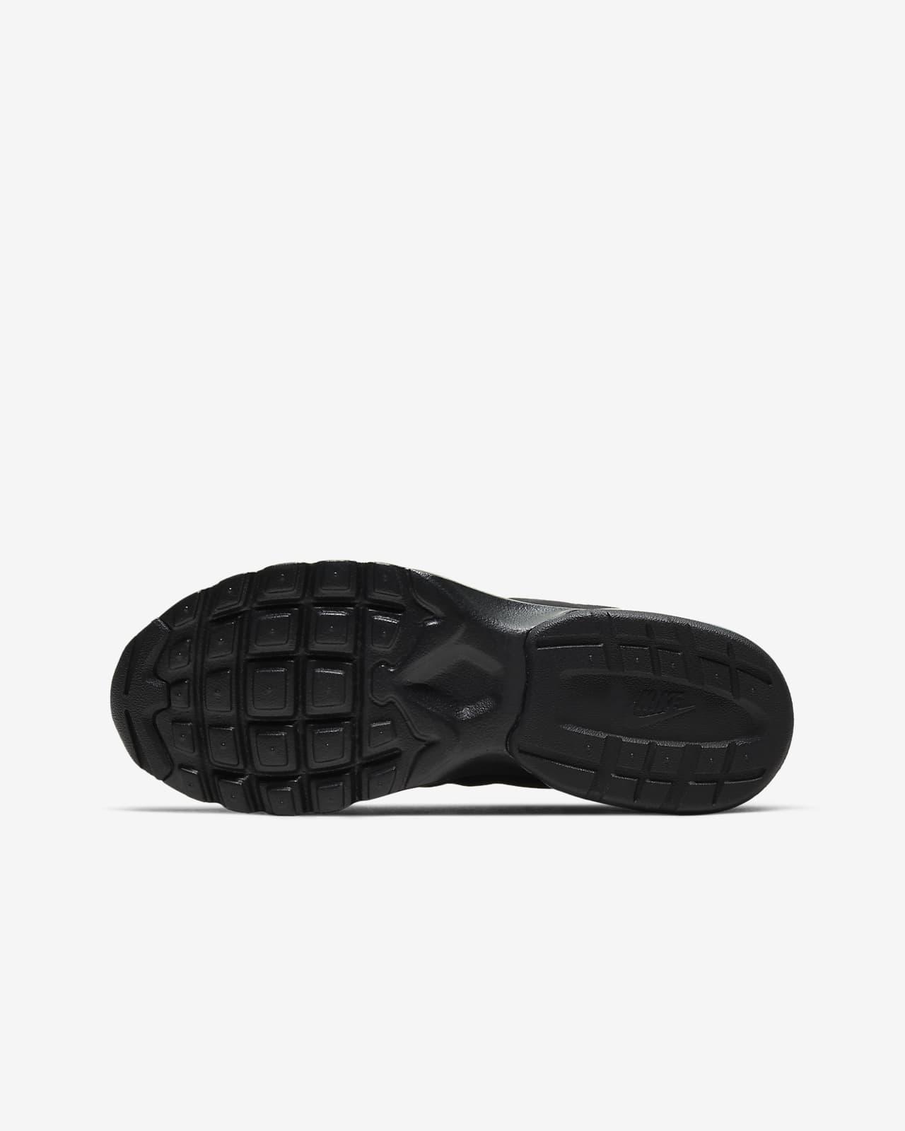 Nike Air Max Invigor Older Kids' Shoes. Nike LU