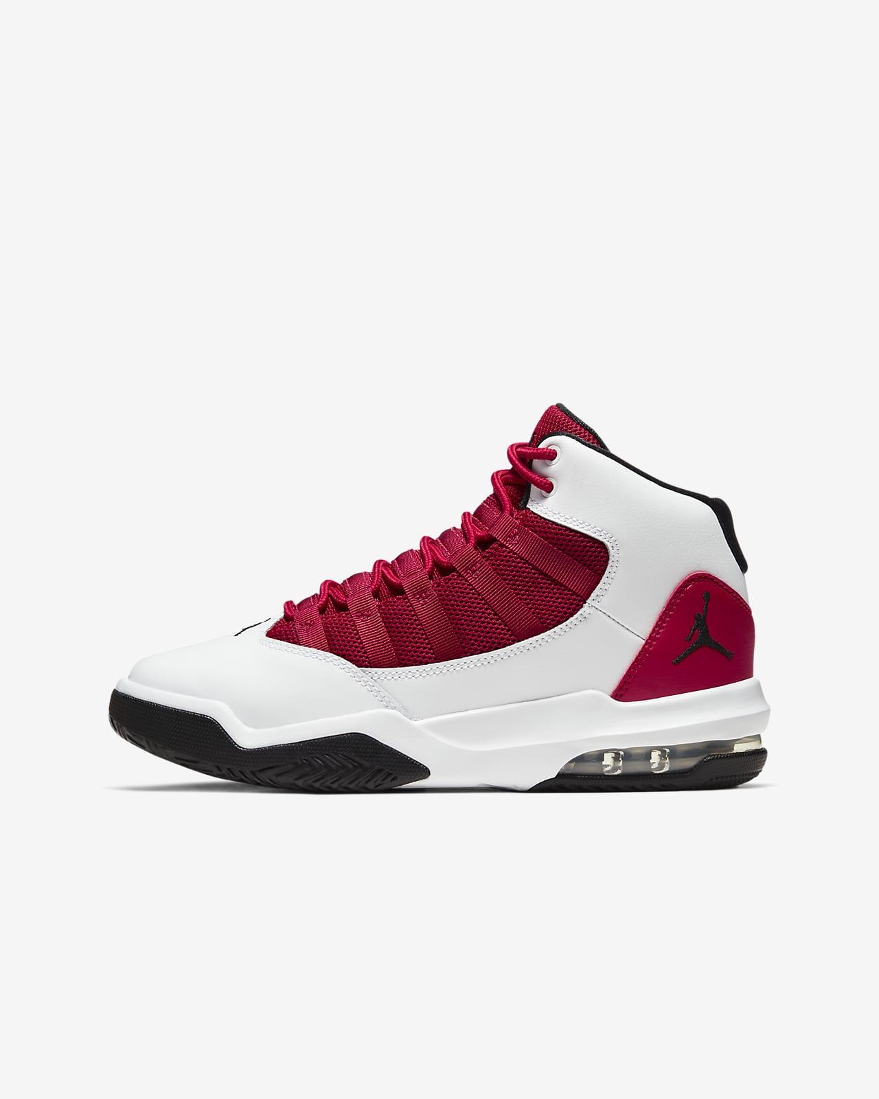 Jordan Max Aura Older Kids' Shoe. Nike LU