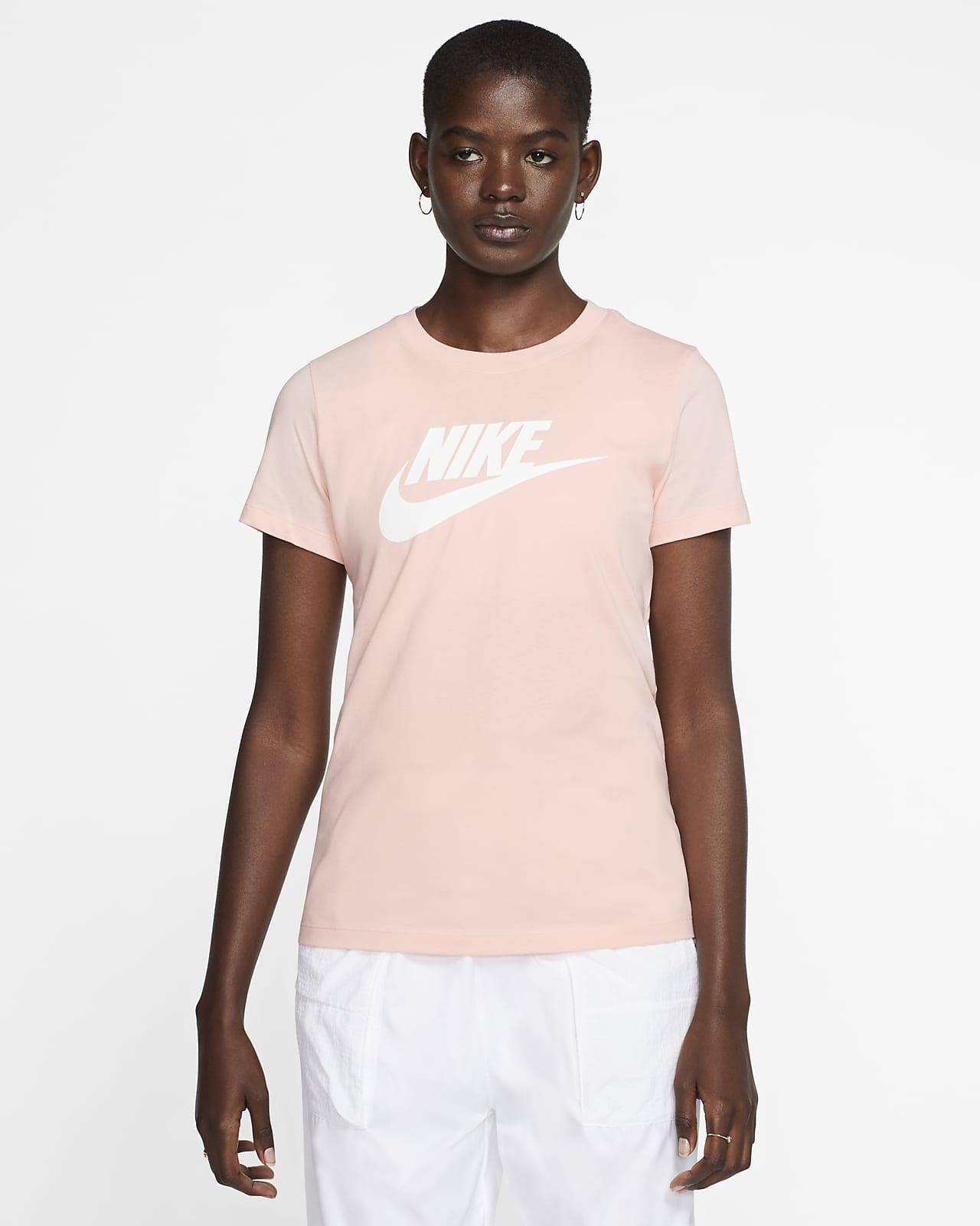 เสื้อยืดผู้หญิง Nike Sportswear Essential