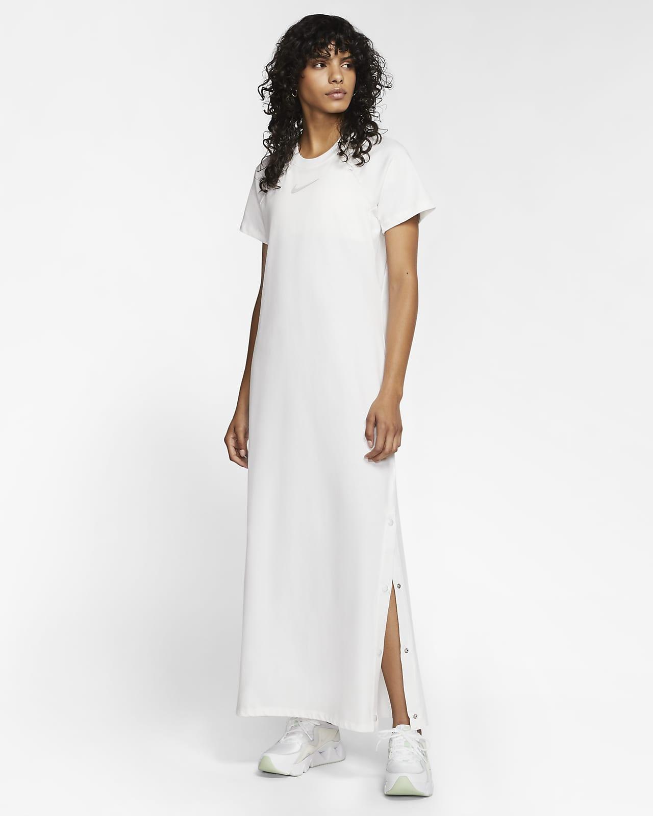 Nike Sportswear Women's Dress. Nike IE