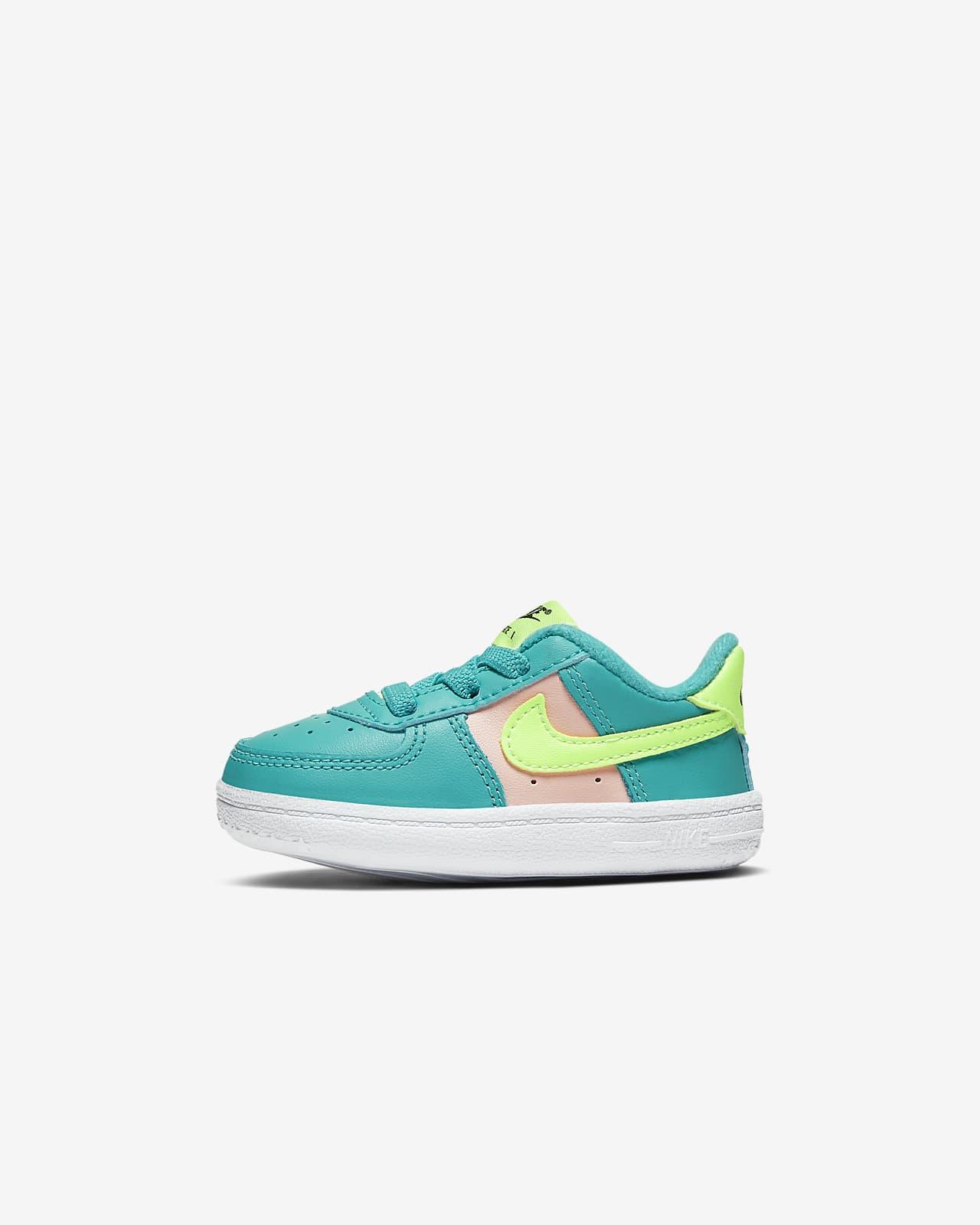 Sko Nike Force 1 Crib för baby