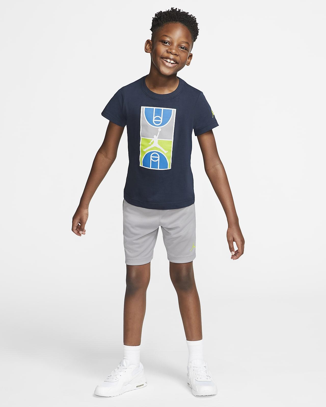 T-Shirt and Shorts Set. Nike GB