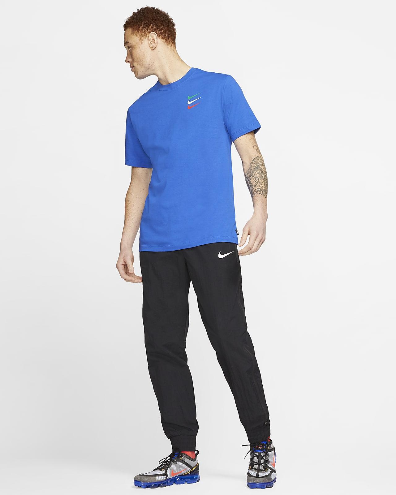 Nike F.C. SE11 fotball T skjorte til herre. Nike NO