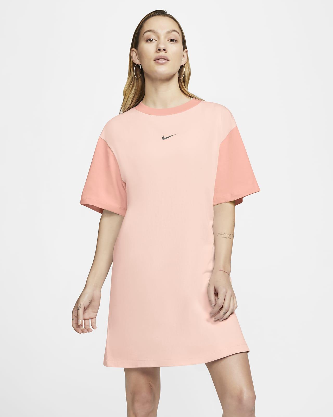 Damska sukienka z logo Swoosh Nike Sportswear