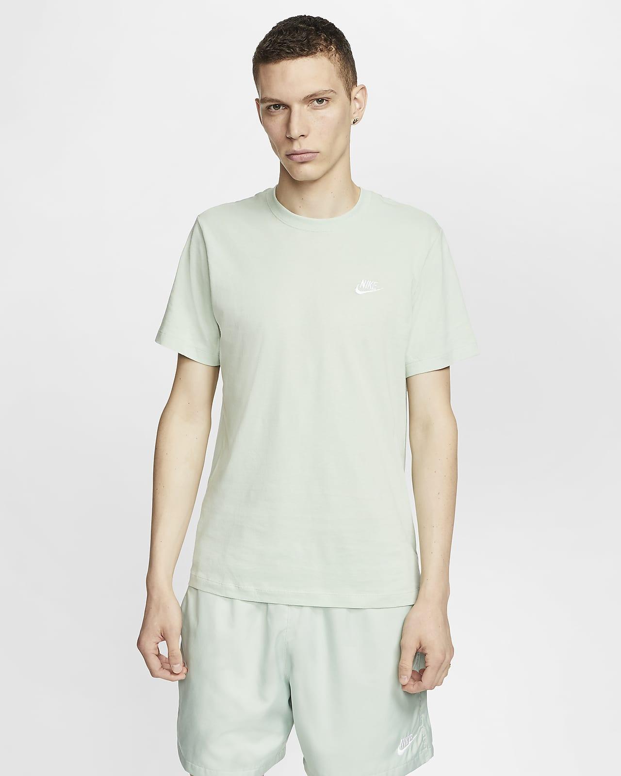 carta Bella Strada principale  Nike Sportswear Club Men's T-Shirt. Nike CA