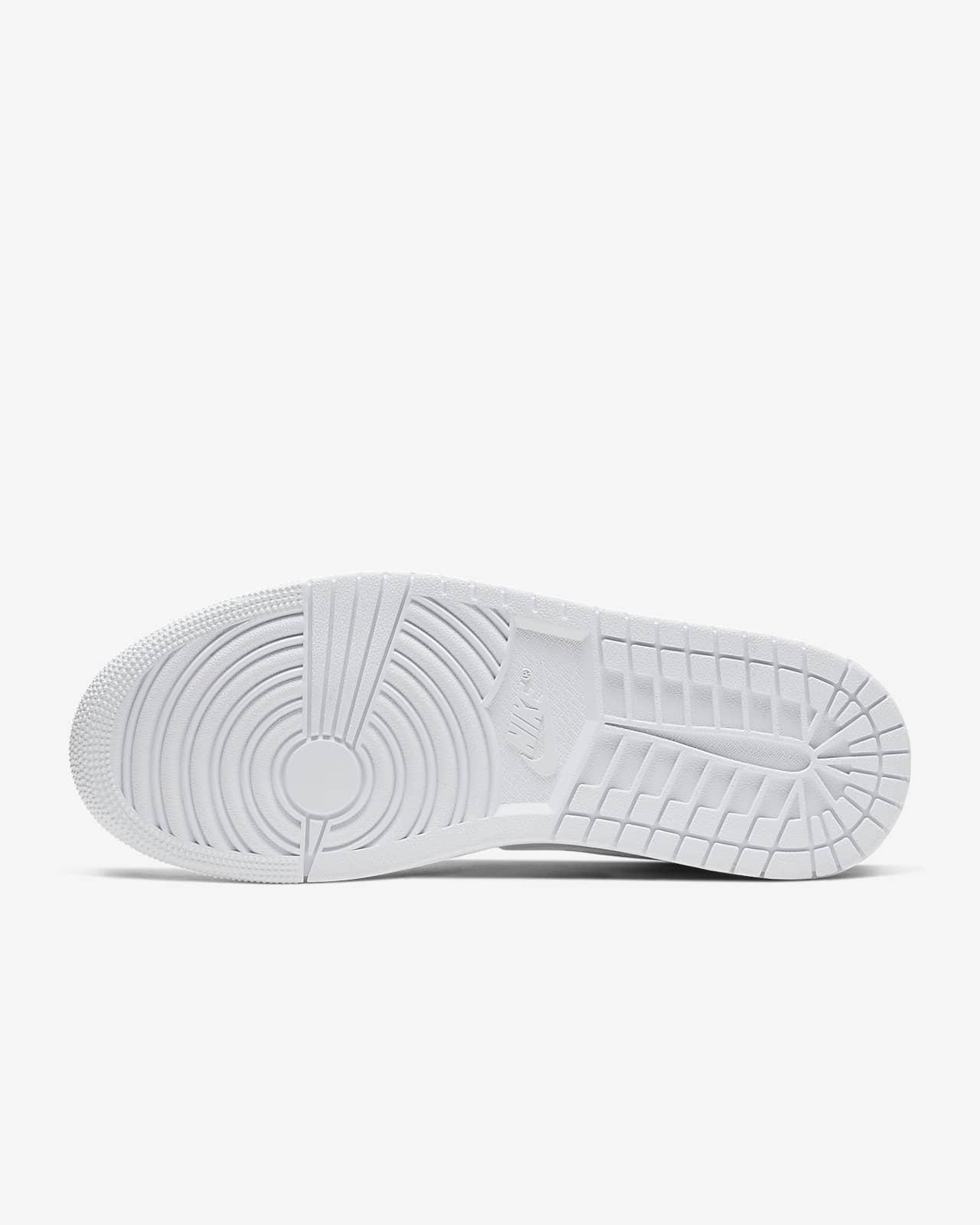 Air Jordan 1 Mid Shoes. Nike SA