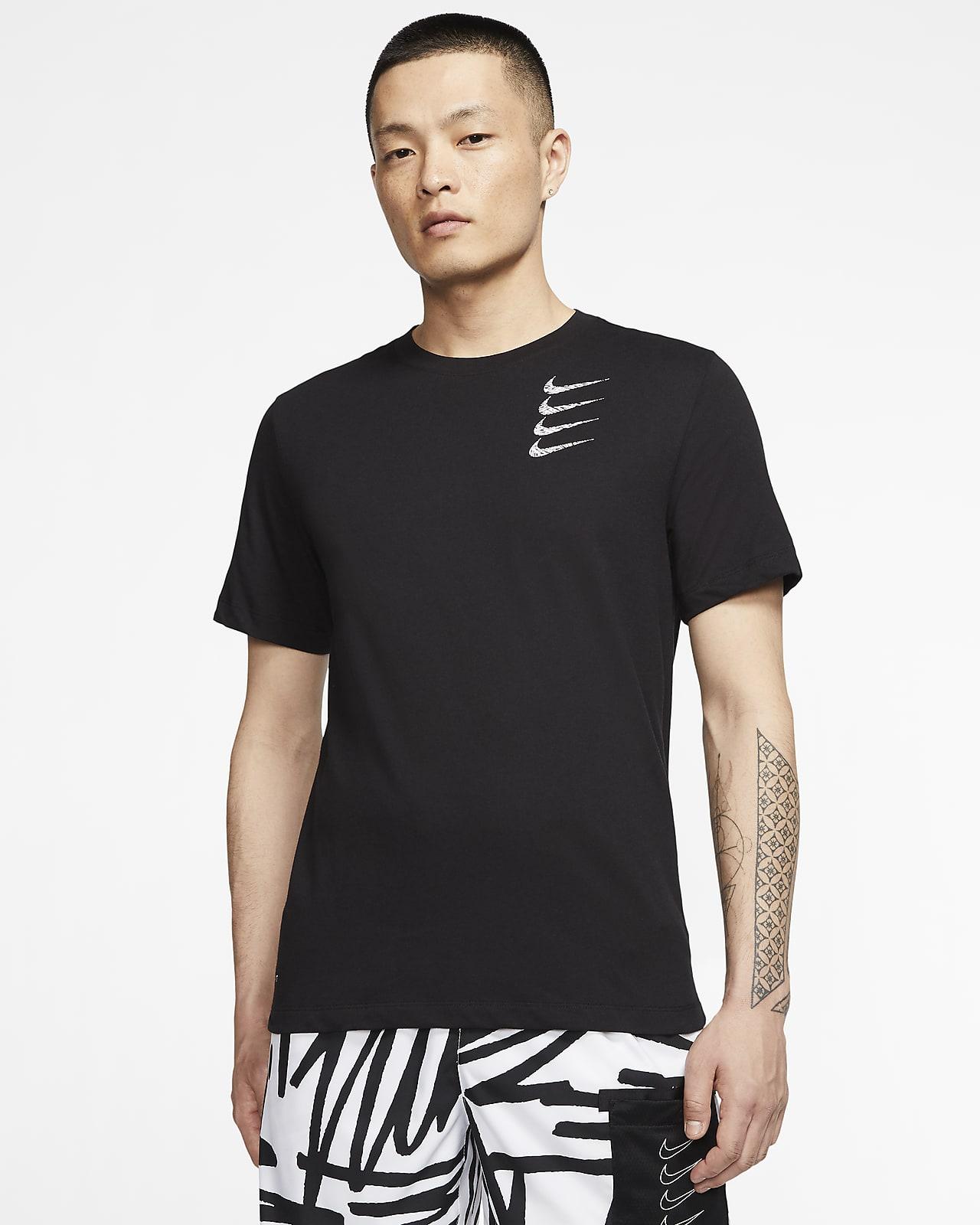 เสื้อยืดเทรนนิ่งผู้ชายมีกราฟิก Nike Dri-FIT