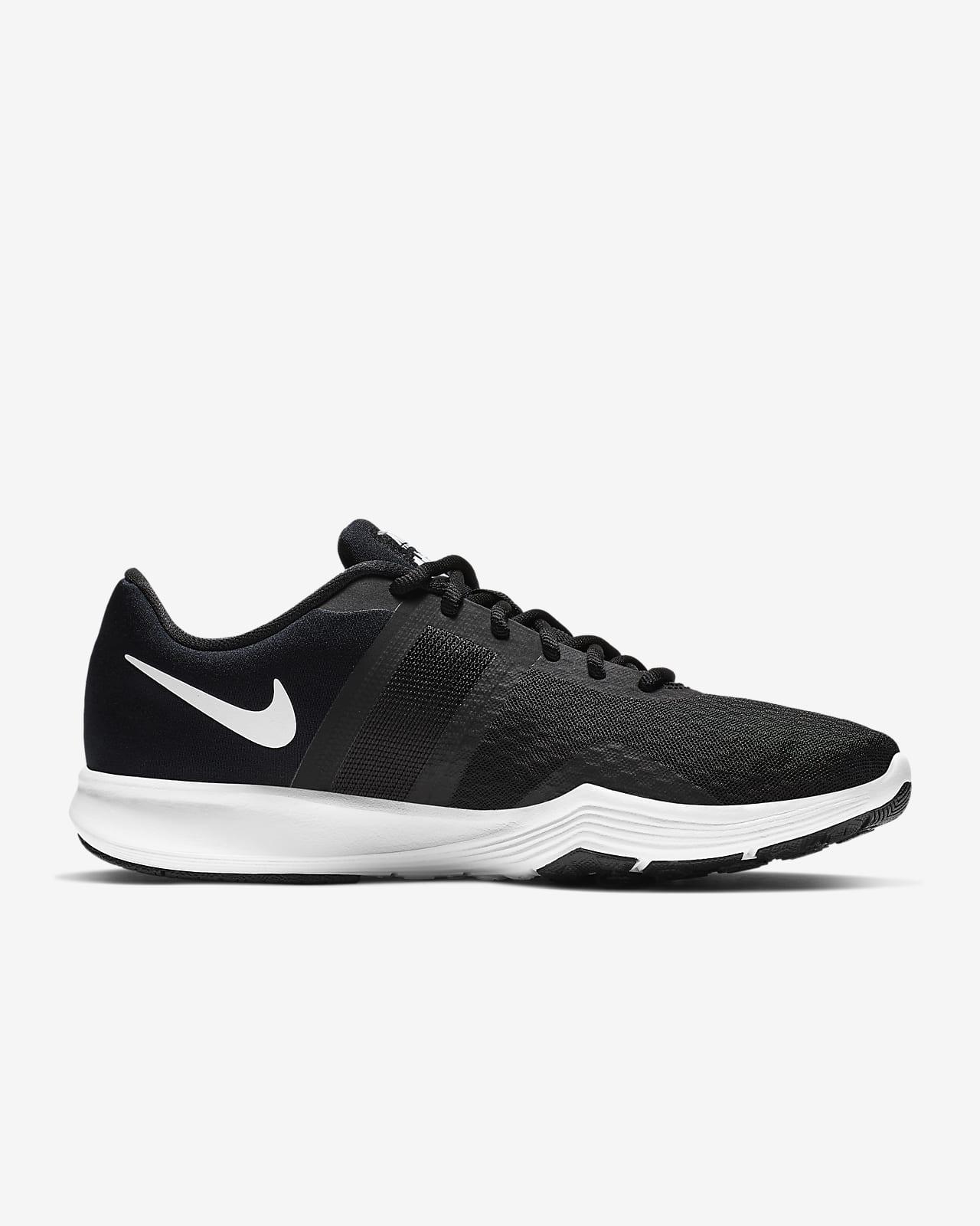 Training Shoe. Nike