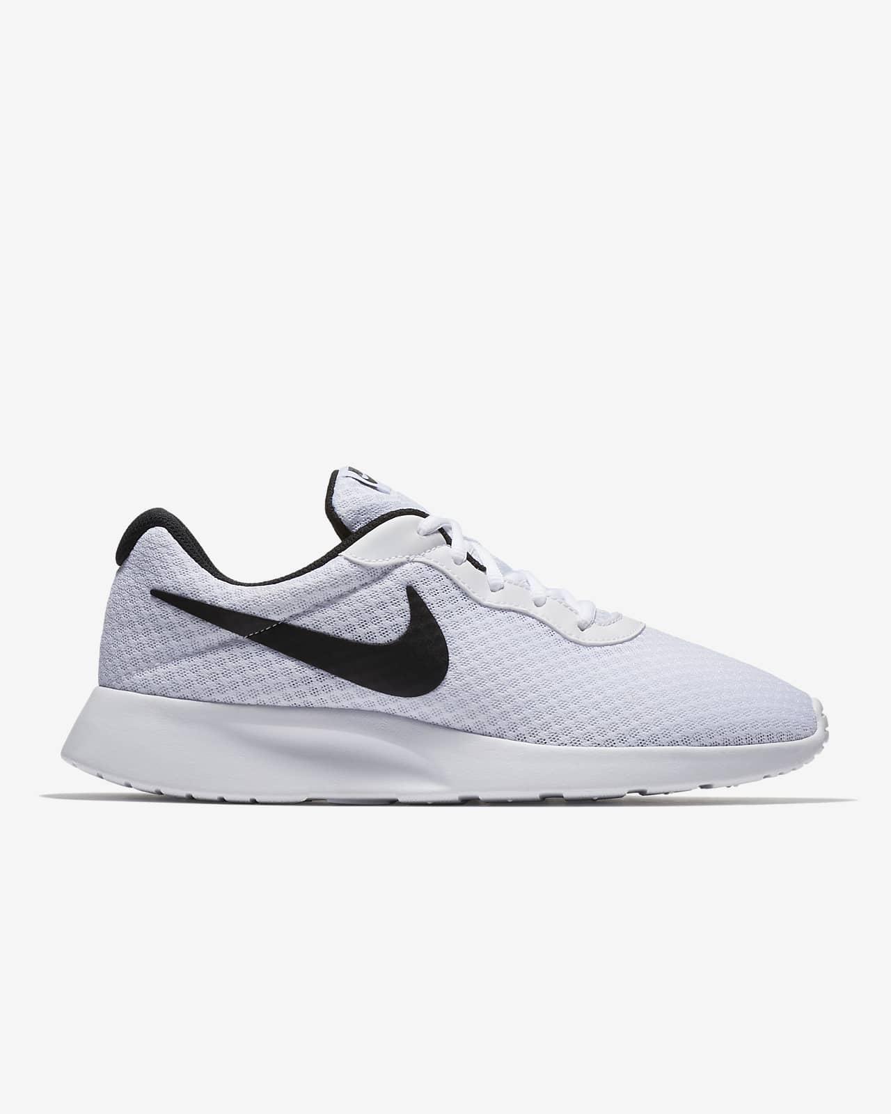 Nike Tanjun Men's Shoe. Nike GB