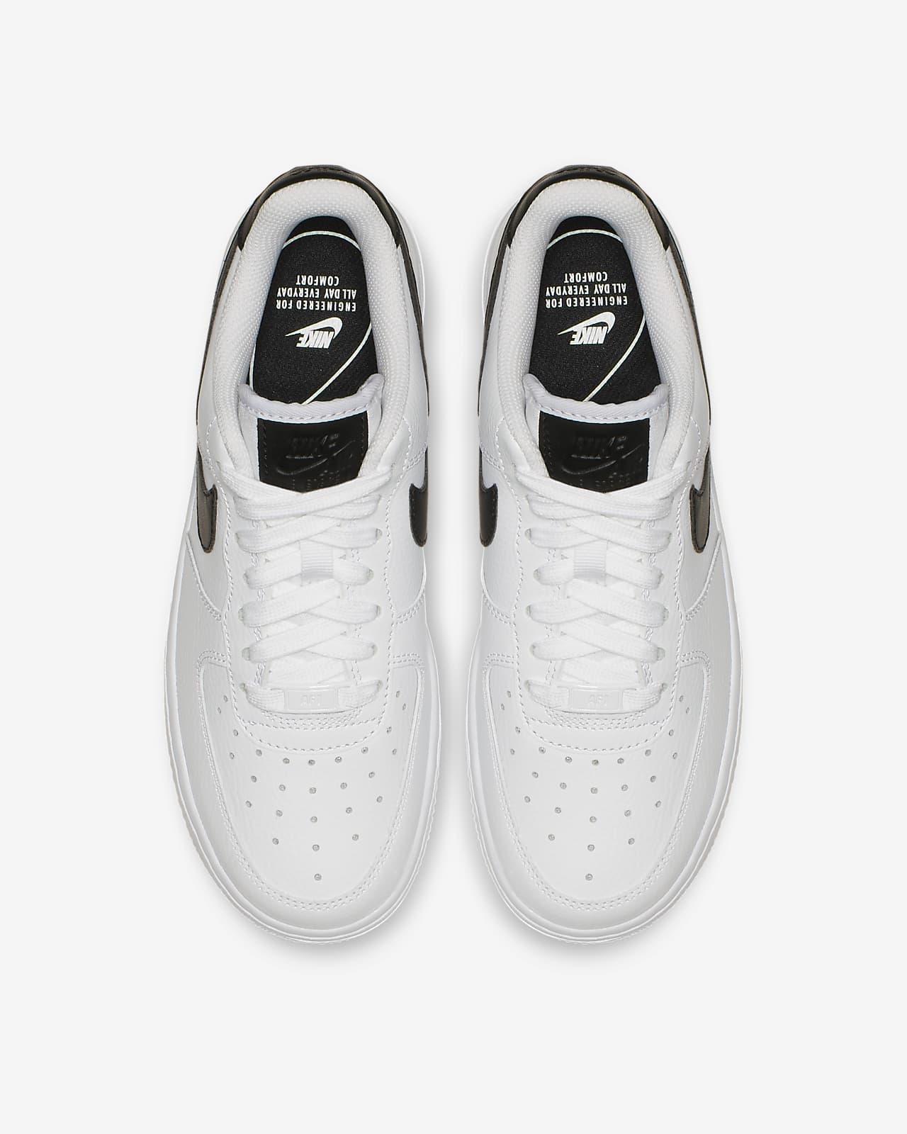 Chaussure Nike Air Force 1 '07 pour Femme. Nike LU