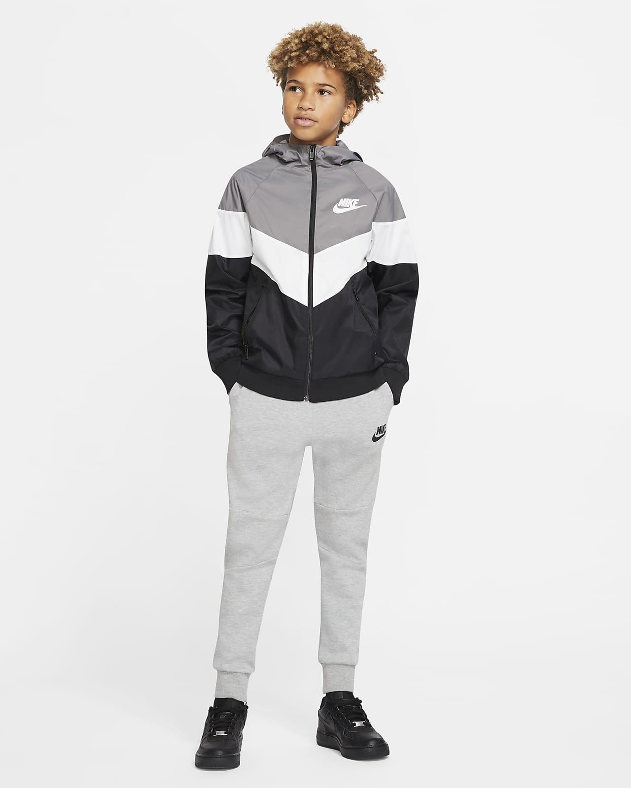 Nike Sportswear Windrunner Older Kids' Jacket. Nike FI