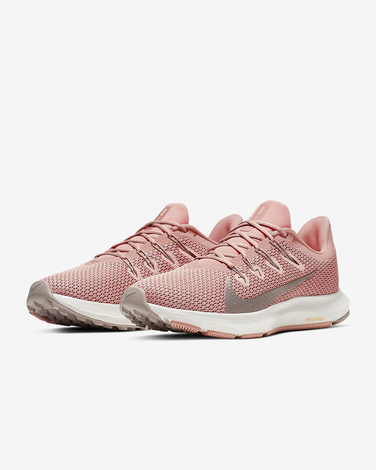 Muñeco de peluche Pies suaves Manía  Nike Quest 2 Zapatillas de running - Mujer. Nike ES