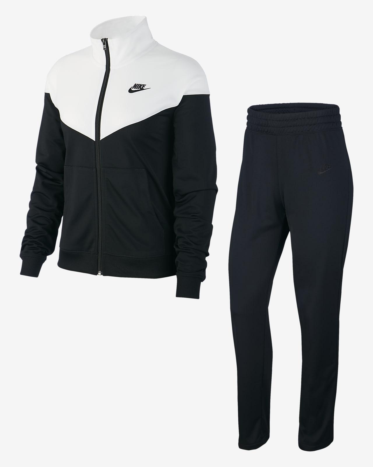 Íncubo Competitivo editorial  Nike Sportswear Women's Tracksuit. Nike JP