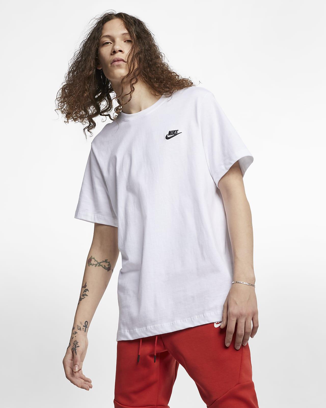 lanzar En el nombre Guión  Nike Sportswear Club Men's T-Shirt. Nike LU