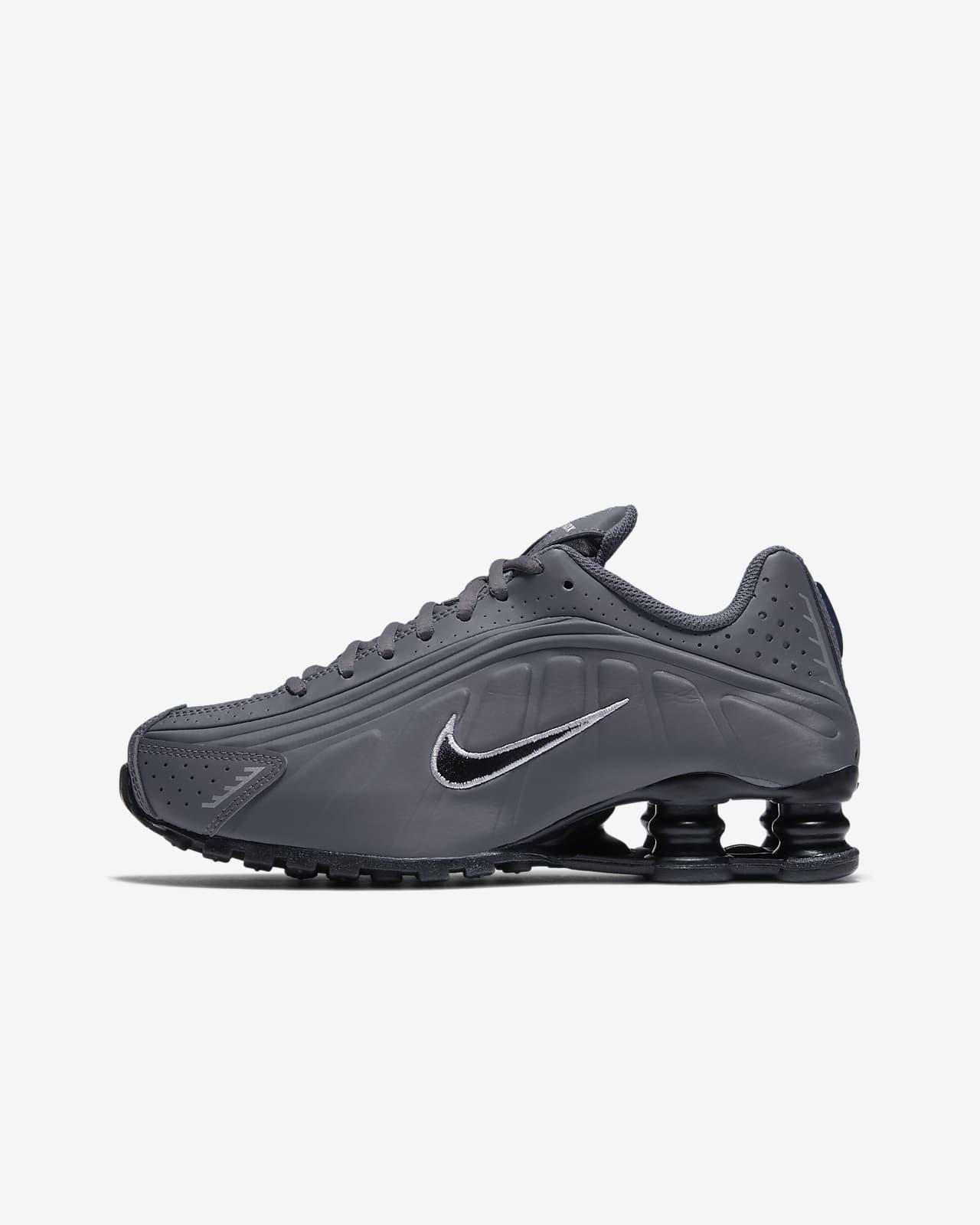 Nike Shox R4 Older Kids' Shoe. Nike AT