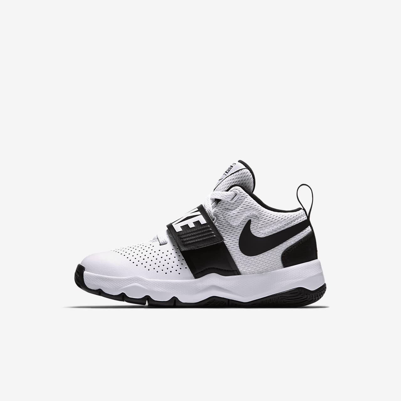 Nike Team Hustle D 8 Younger Kids' Shoe