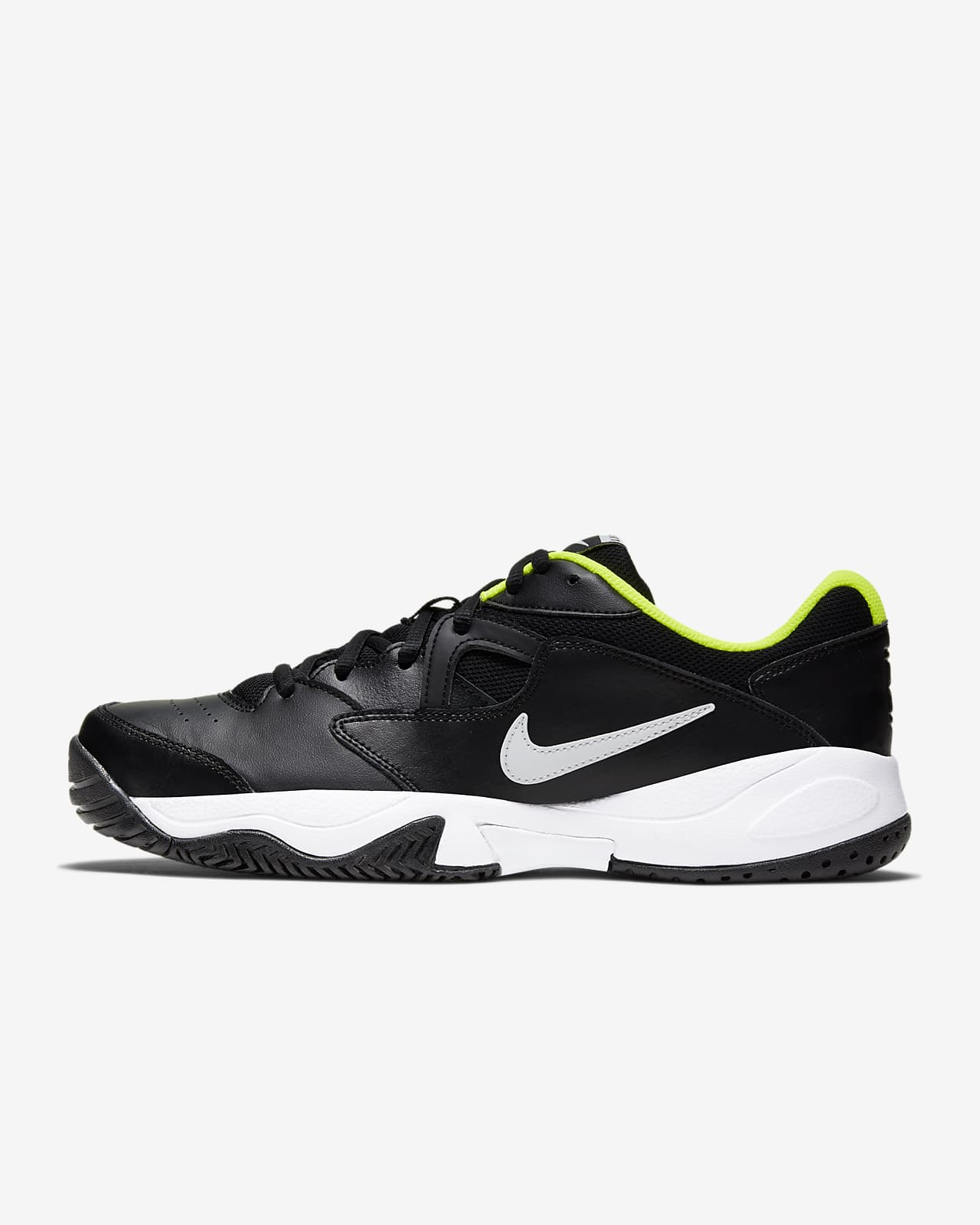 Hard Court Tennis Shoe. Nike SE