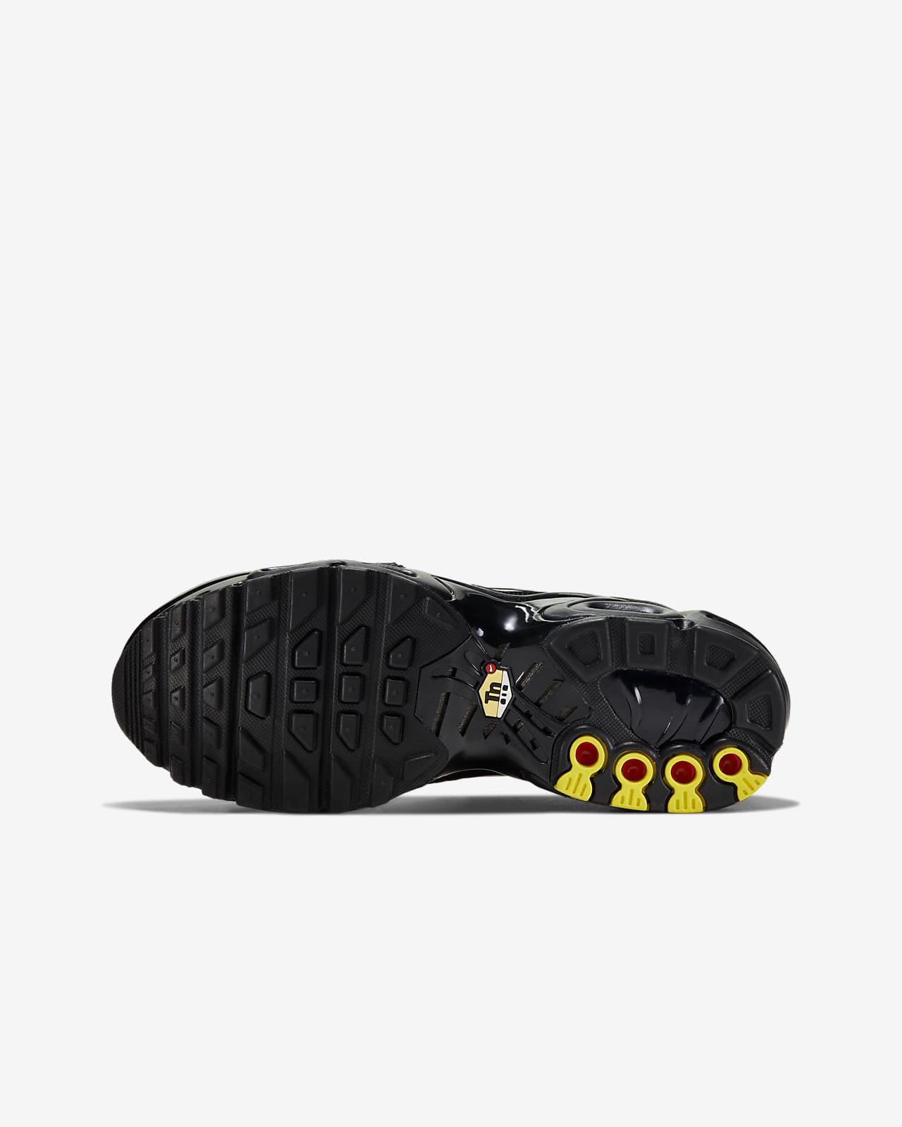 Nike Air Max Plus Older Kids' Shoe. Nike IE