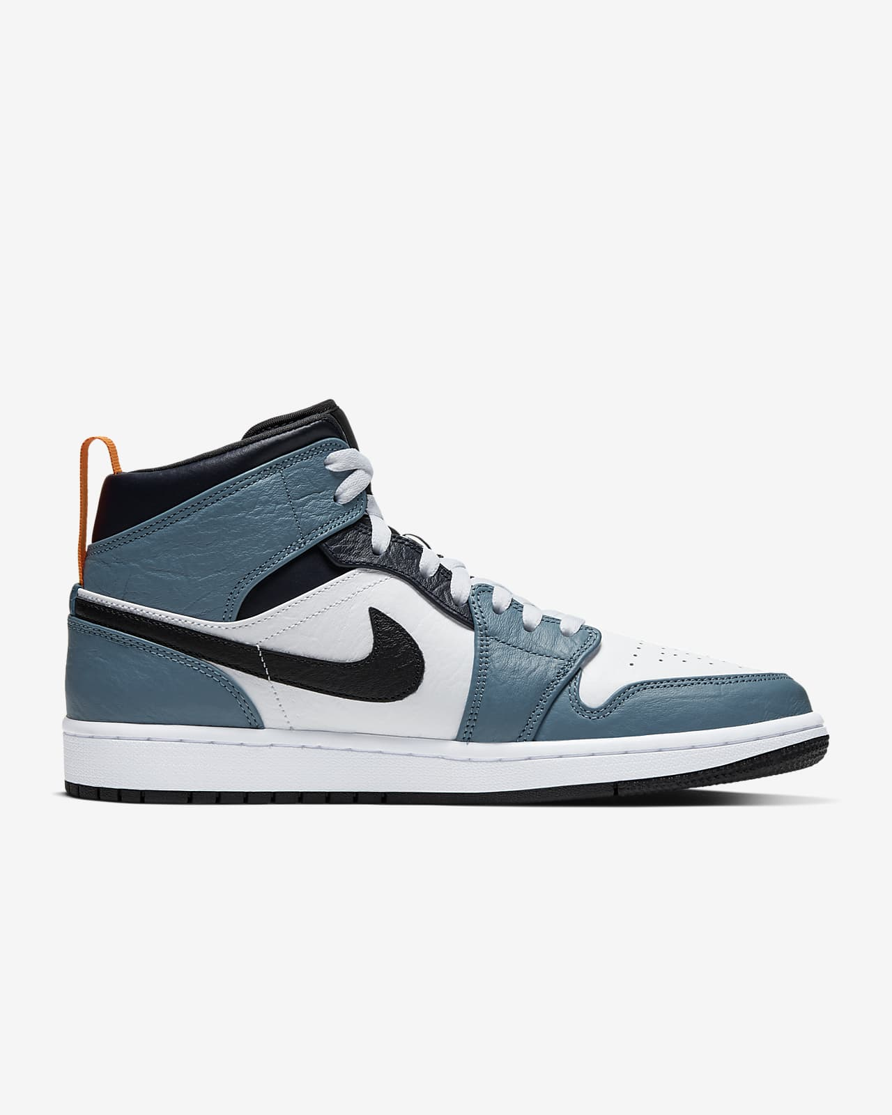 Air Jordan 1 Mid SE Fearless Shoes