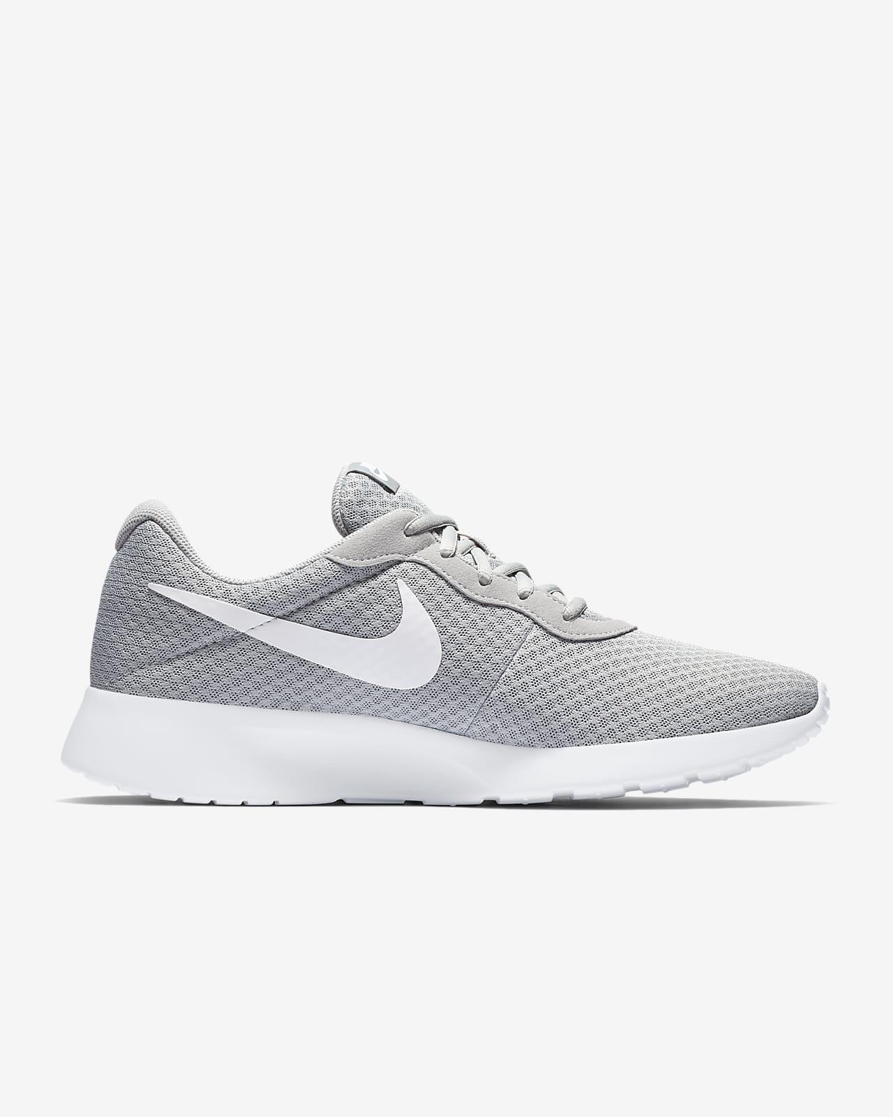 Nike Tanjun Men's Shoe. Nike IE