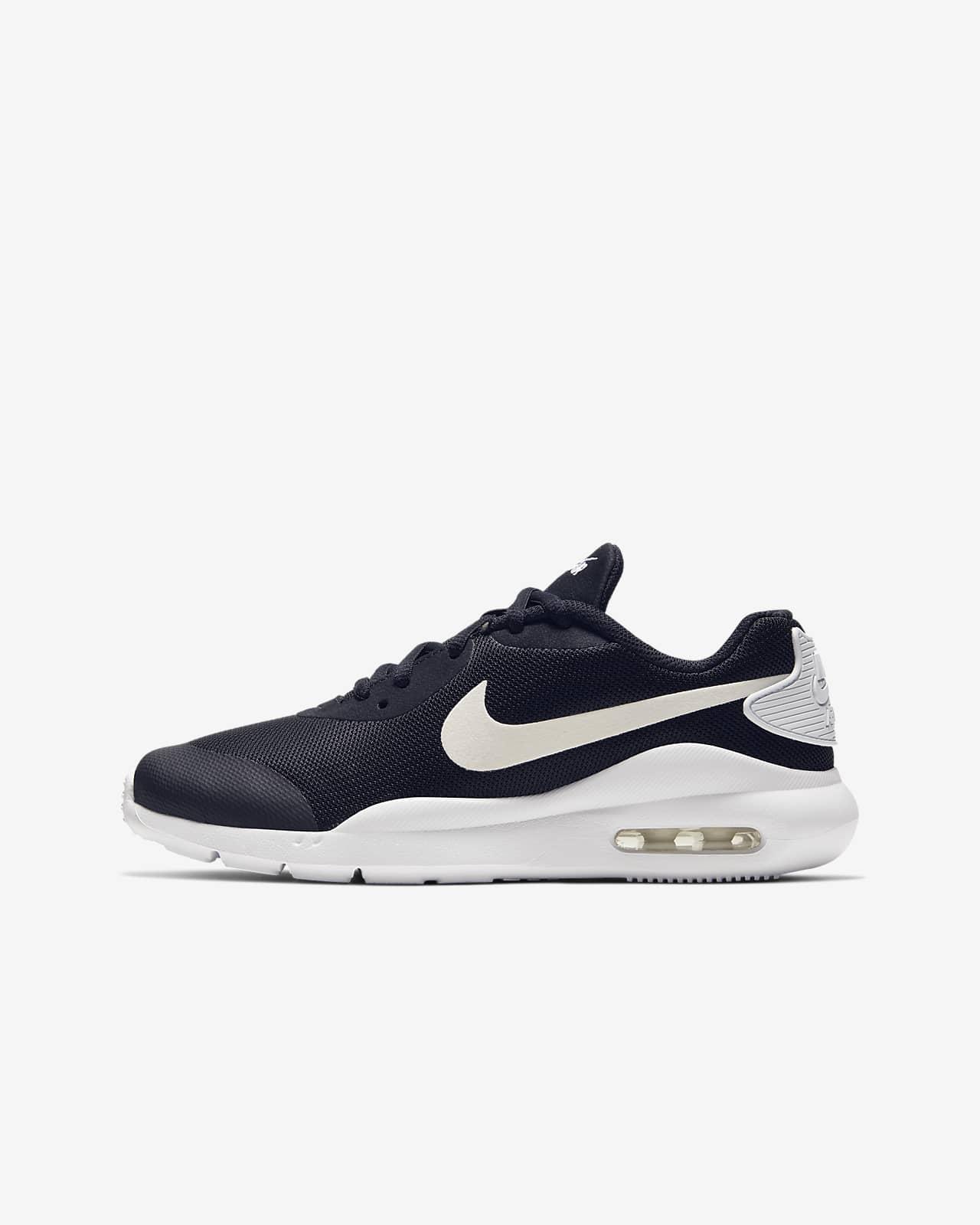 Nike Air Max Oketo Older Kids' Shoe